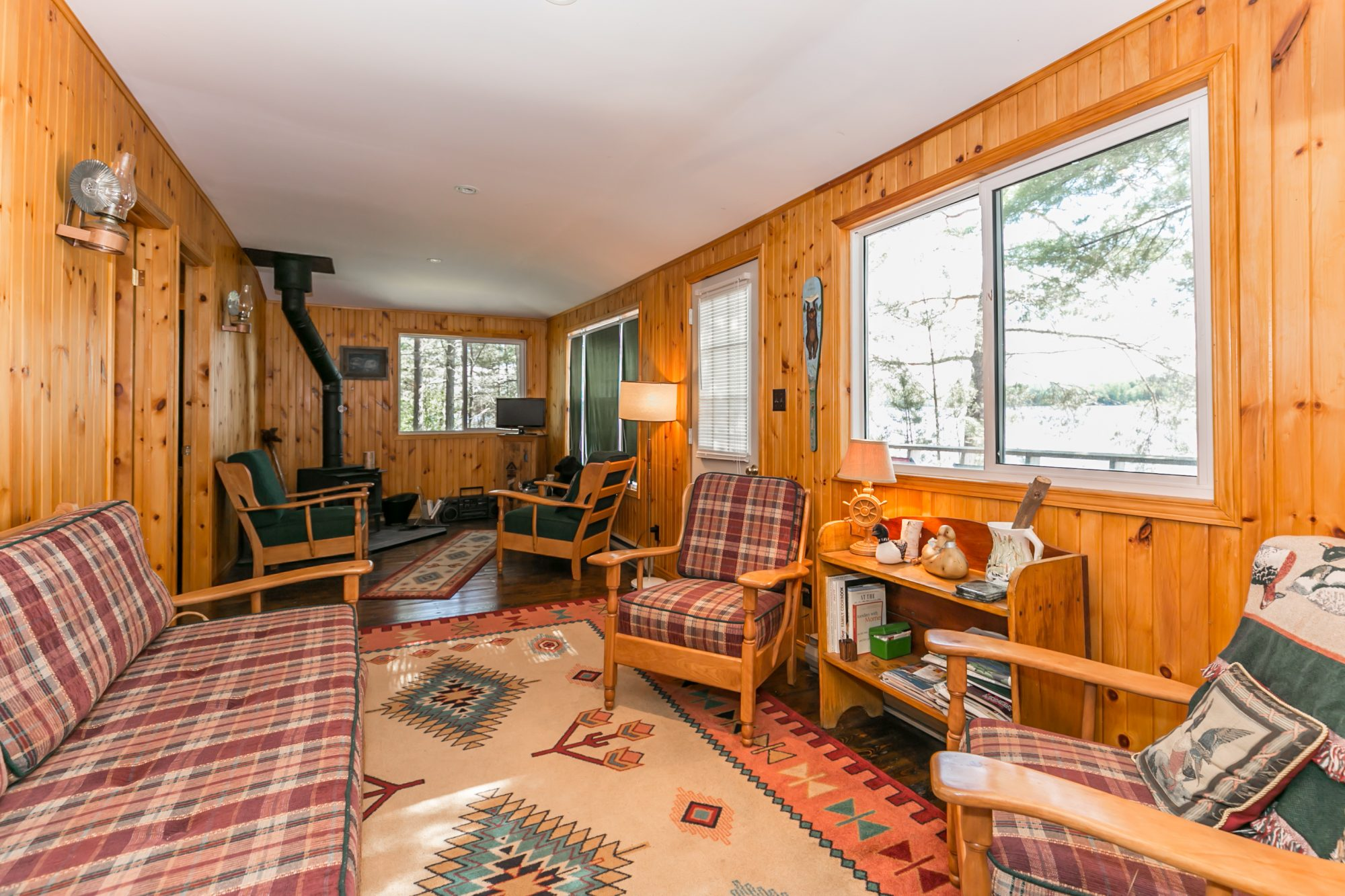 dwight-cottage-for-sale-1076-thumb-creek-trail-17