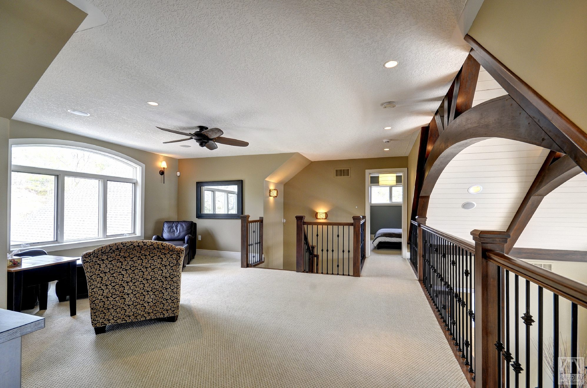 severn-cottage-for-sale-4289-delta-road-west-10