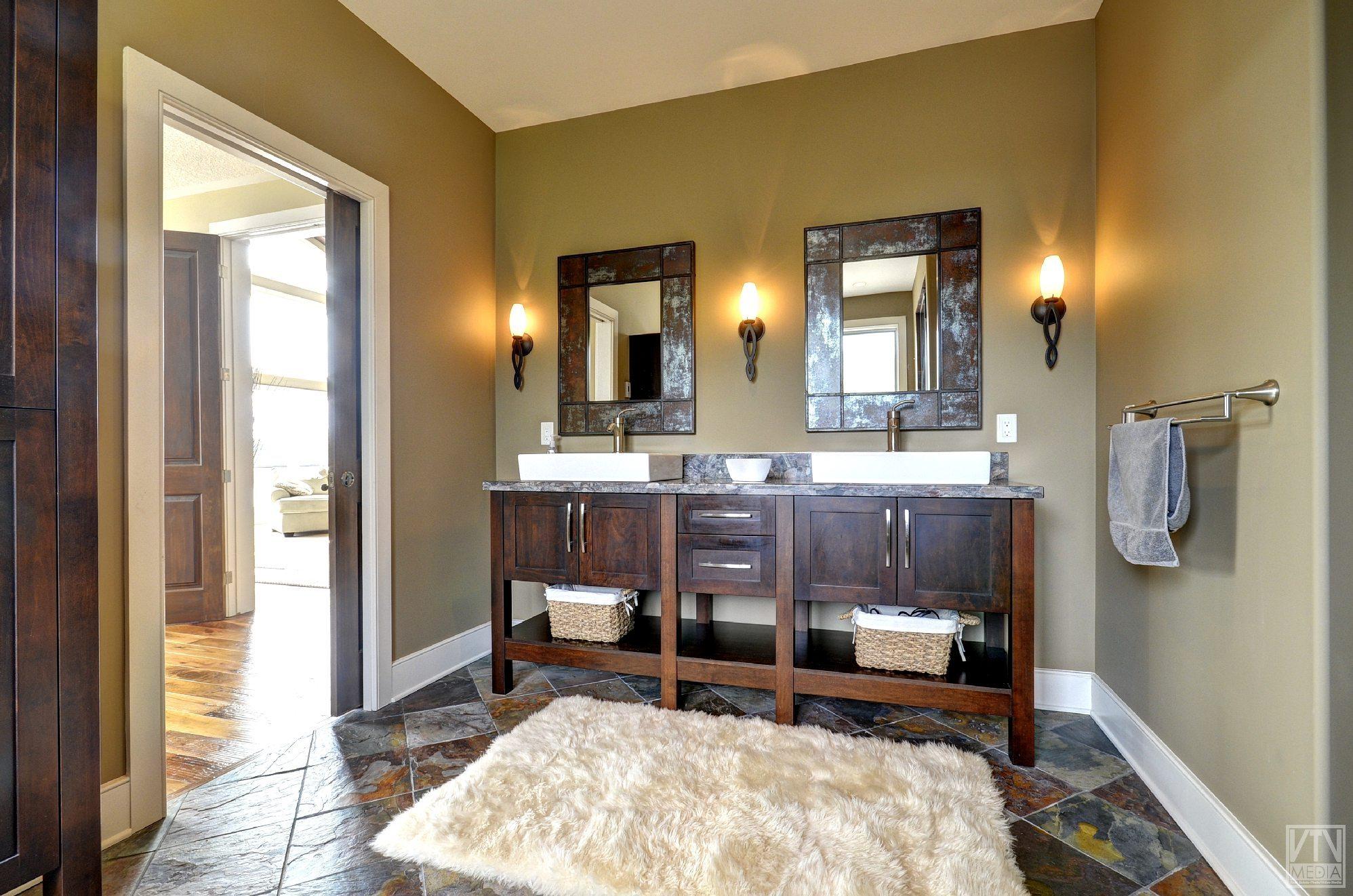 severn-cottage-for-sale-4289-delta-road-west-14