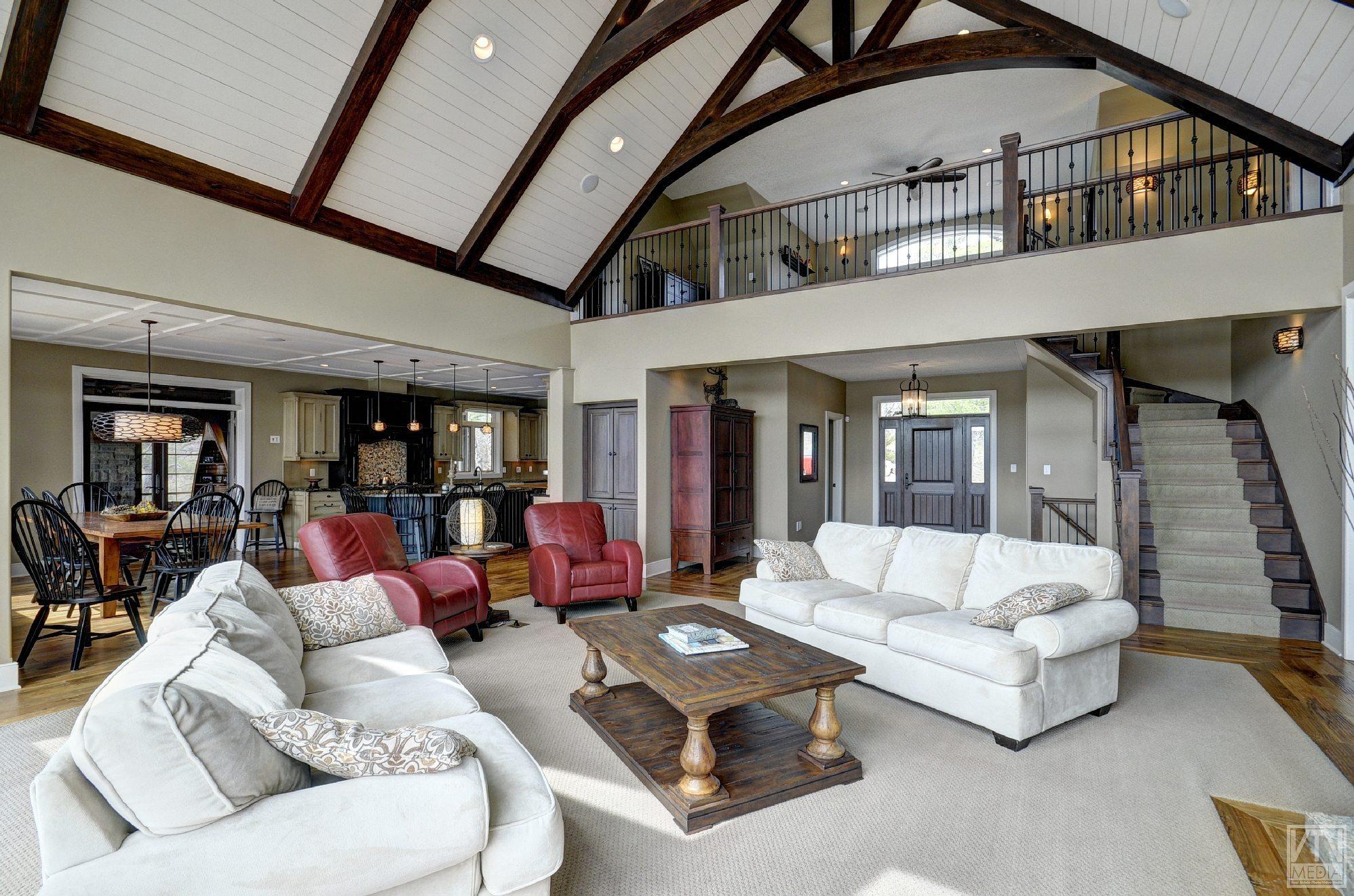 severn-cottage-for-sale-4289-delta-road-west-4