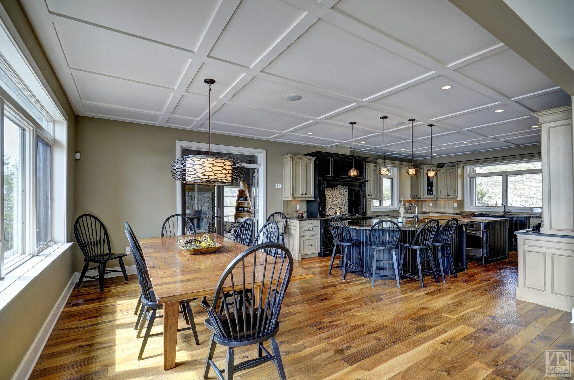 severn-cottage-for-sale-4289-delta-road-west-5