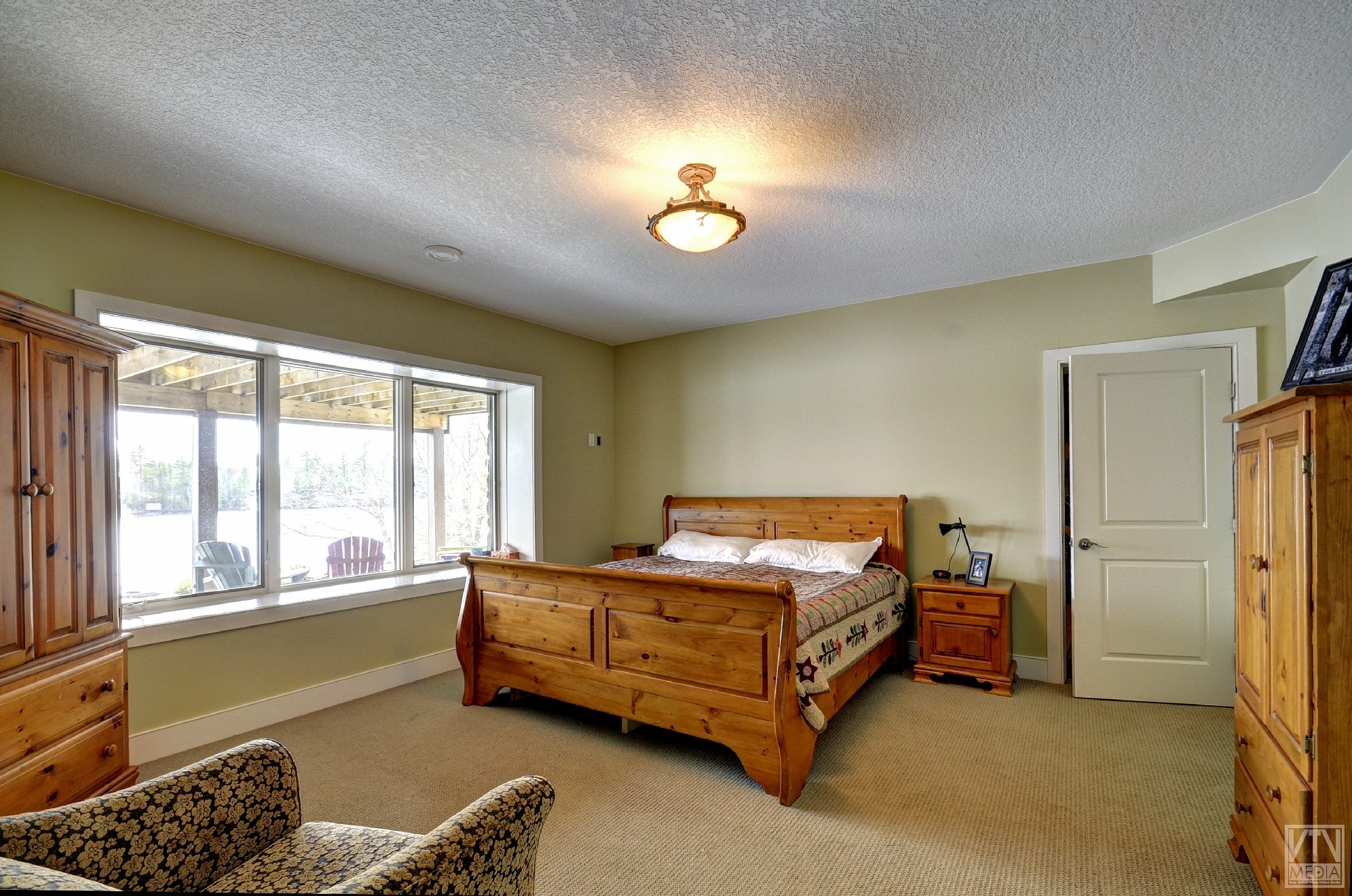 severn-cottage-for-sale-4289-delta-road-west-8