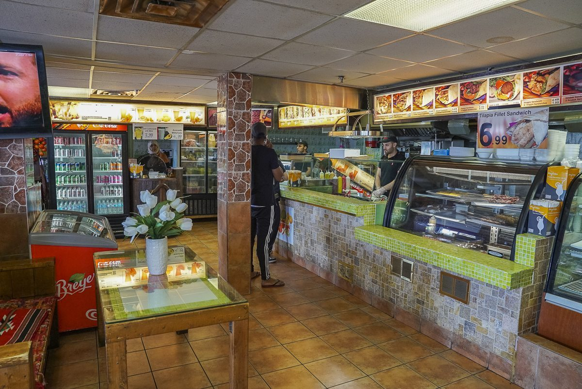 toronto-chefs-in-the-suburbs-crown-pastries-owners-syrian-food-damas-scarborough-interior