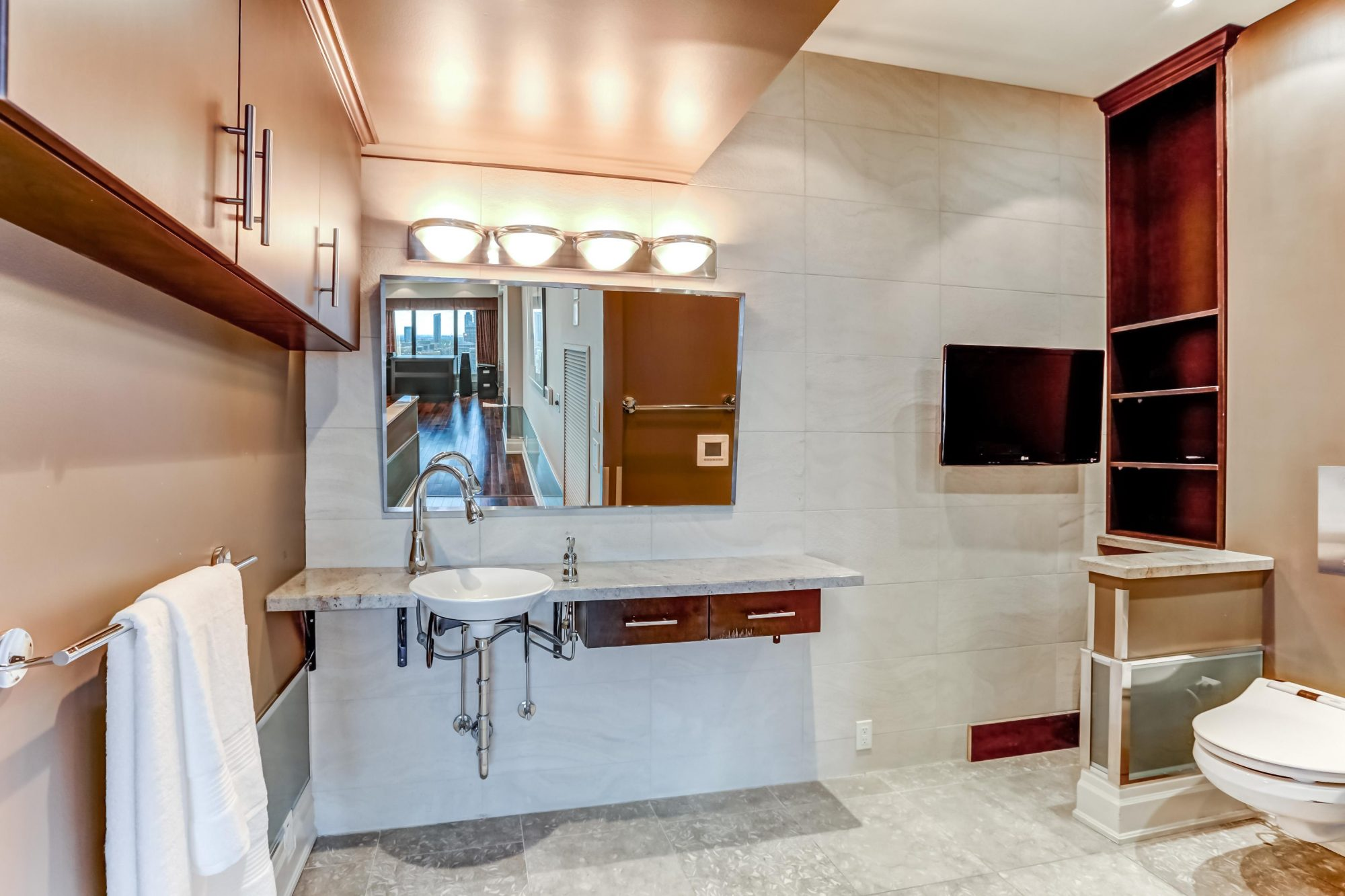toronto-condo-for-sale-2045-lake-shore-boulevard-west-10