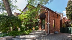 Sale of the Week: The $912,000 property that proves it's possible to sell your house and have it, too