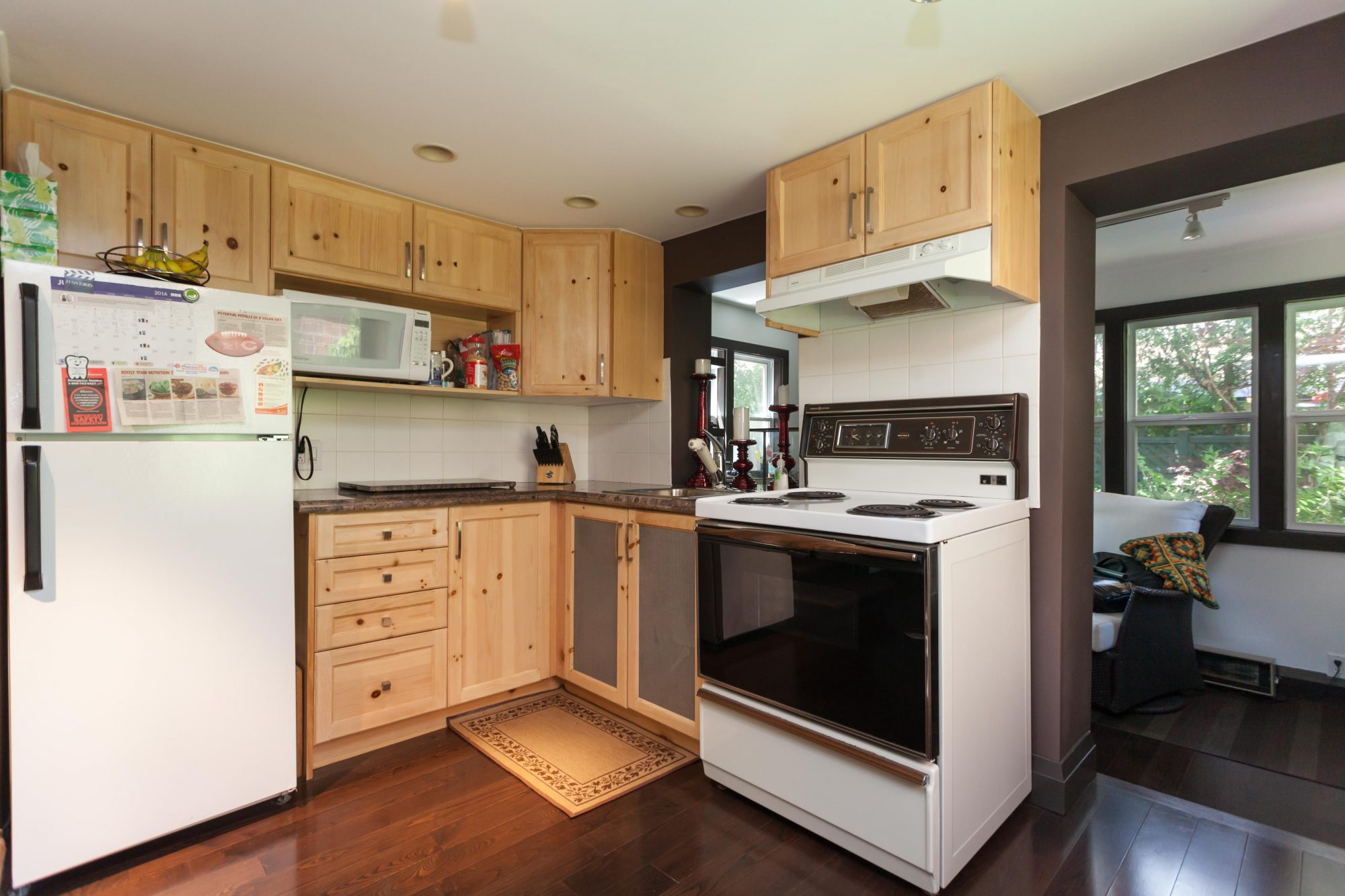 toronto-house-sold-112-helendale-avenue-4