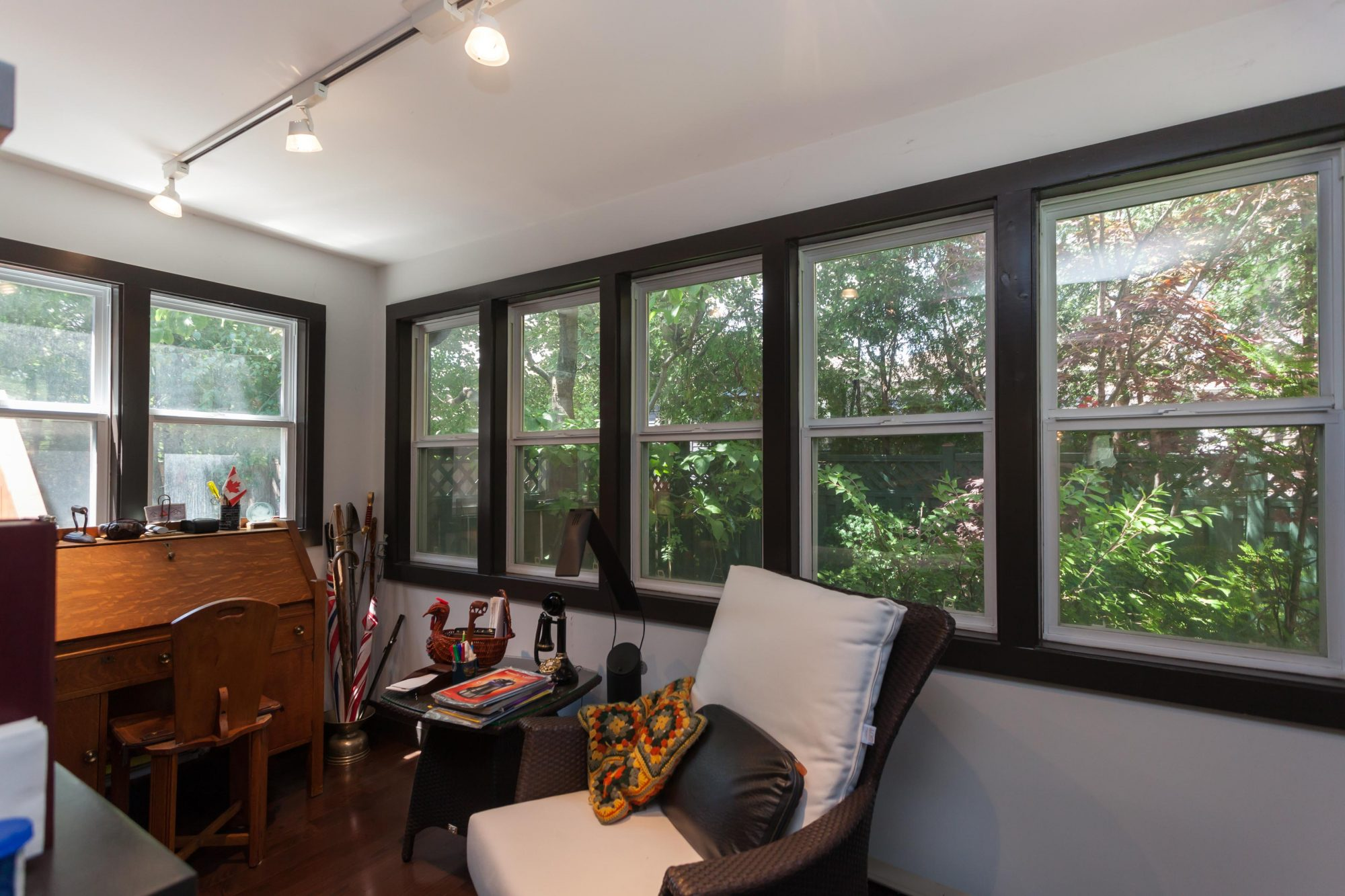 toronto-house-sold-112-helendale-avenue-5