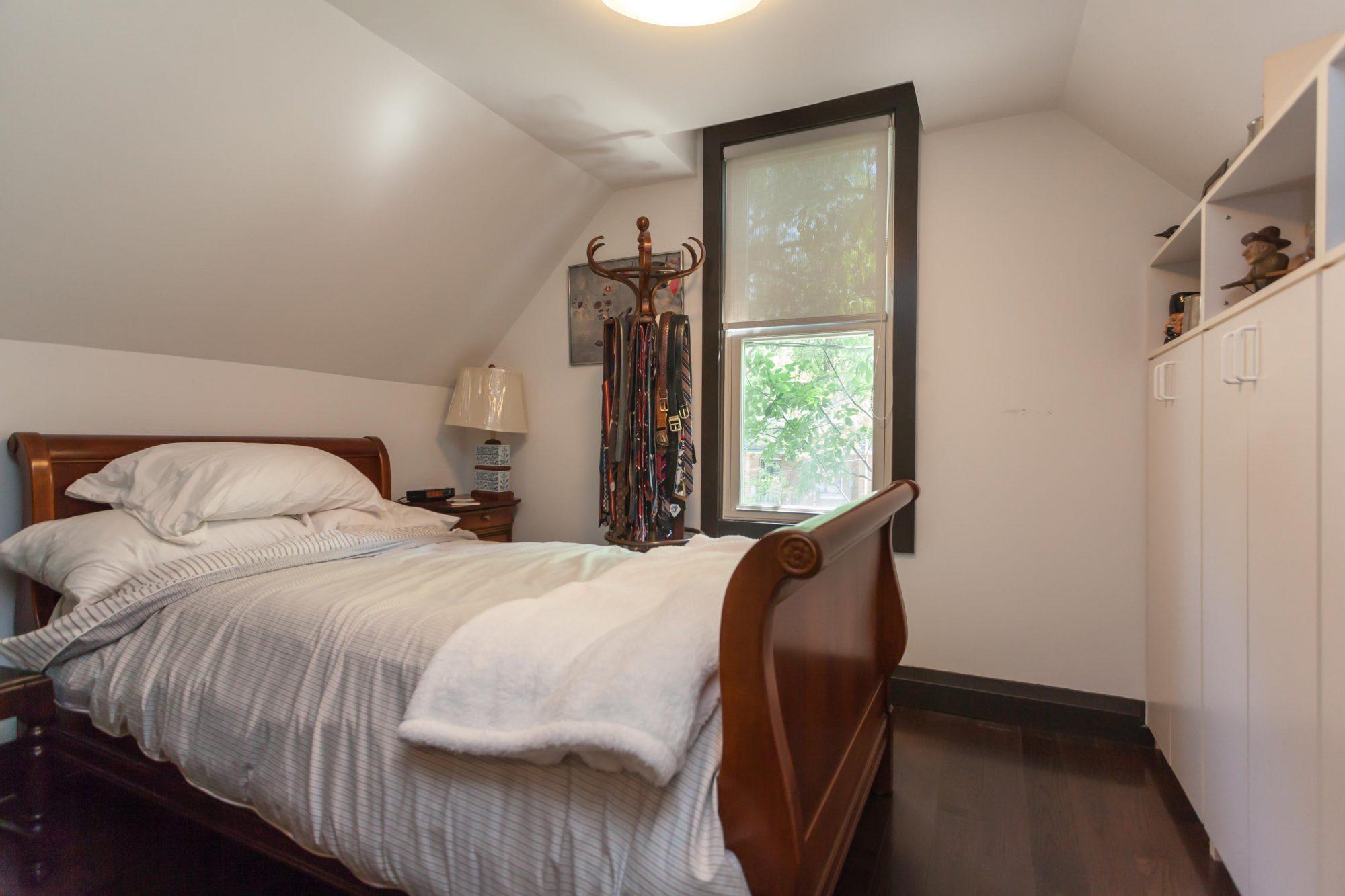 toronto-house-sold-112-helendale-avenue-8