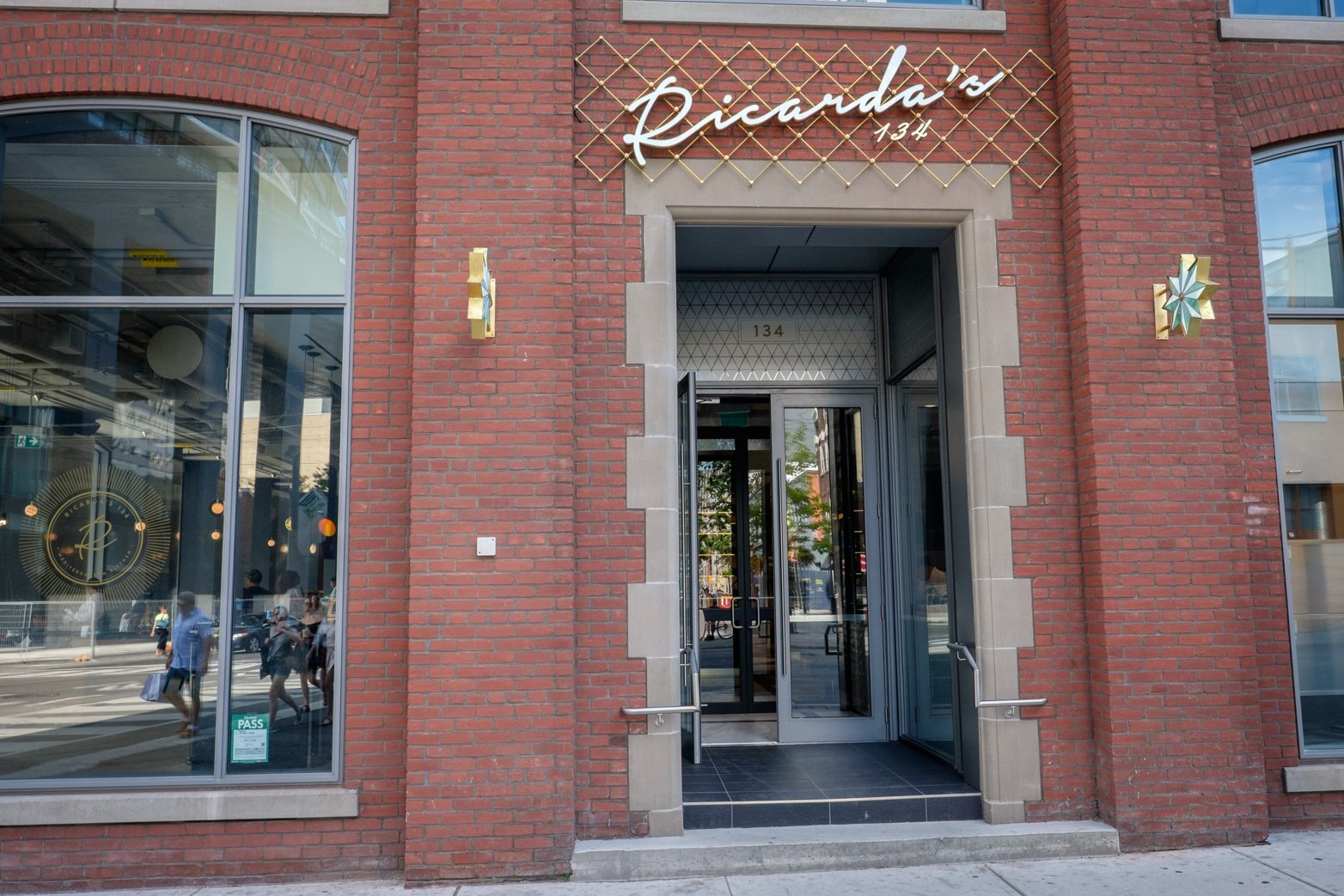 toronto-restaurants-ricardas-queen-west-entertainment-district-mediterranean-entrance