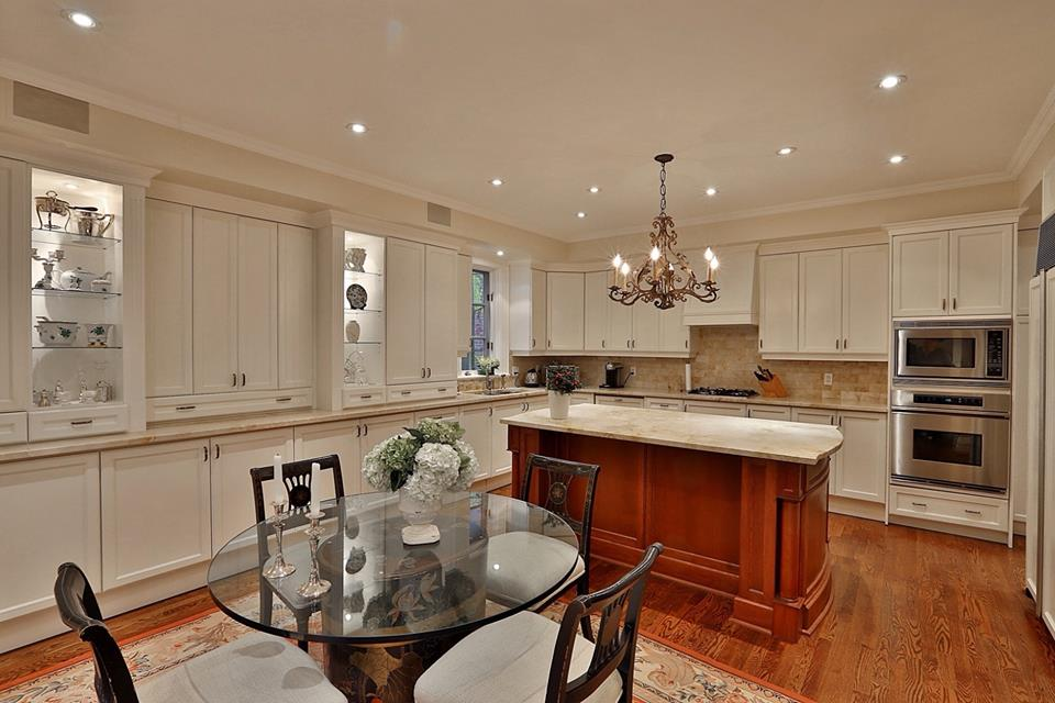 dated trad kitchen before