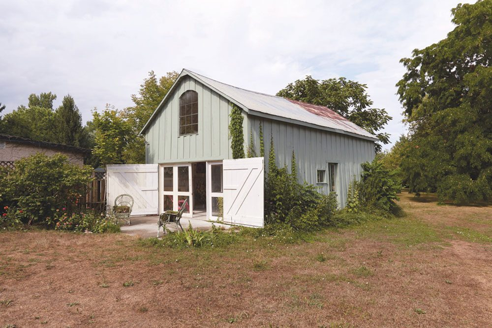 Prince Edward County Barn Renos: Bloomin' Barn