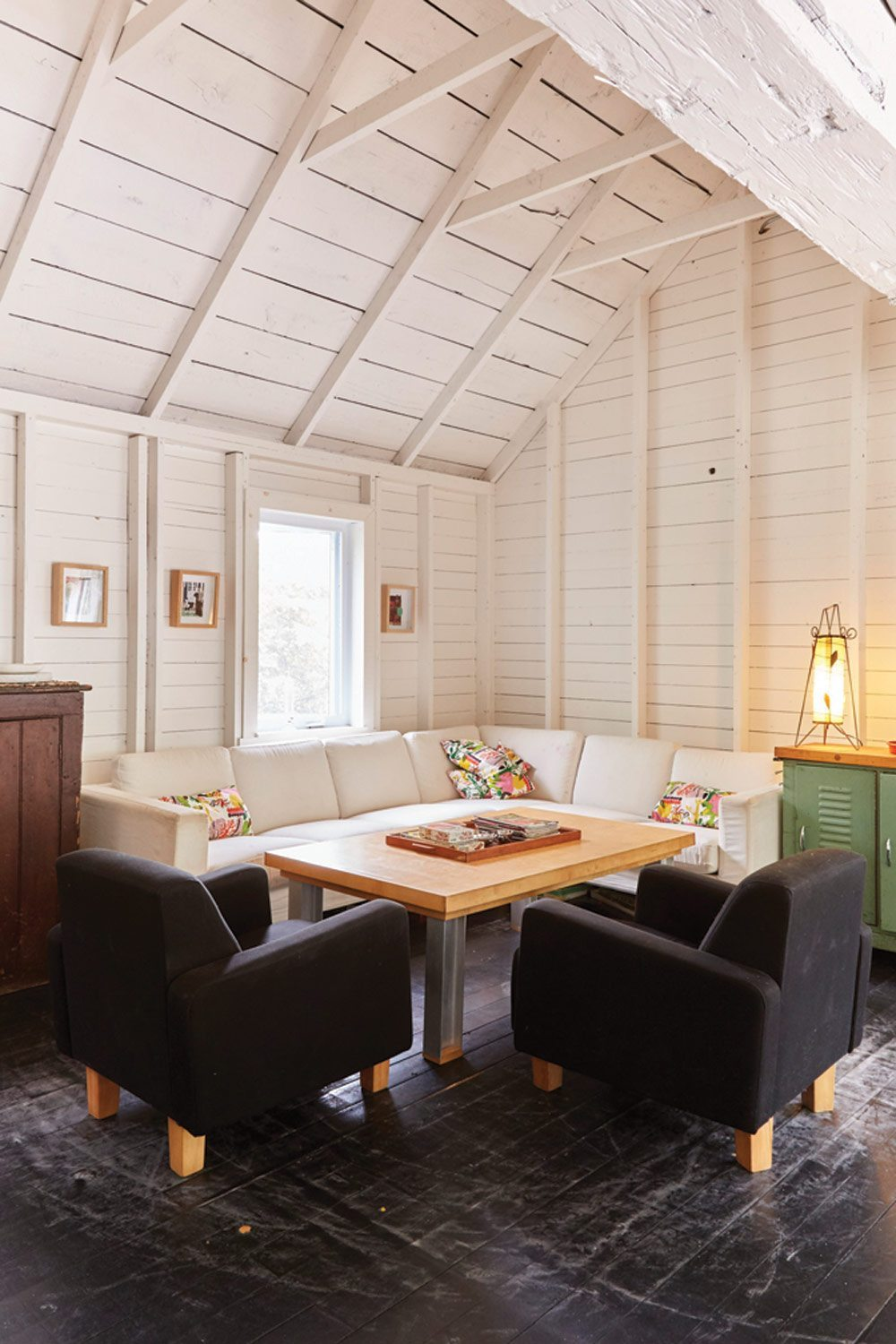 Prince Edward County Barn Renos: The Plucky Family Retreat