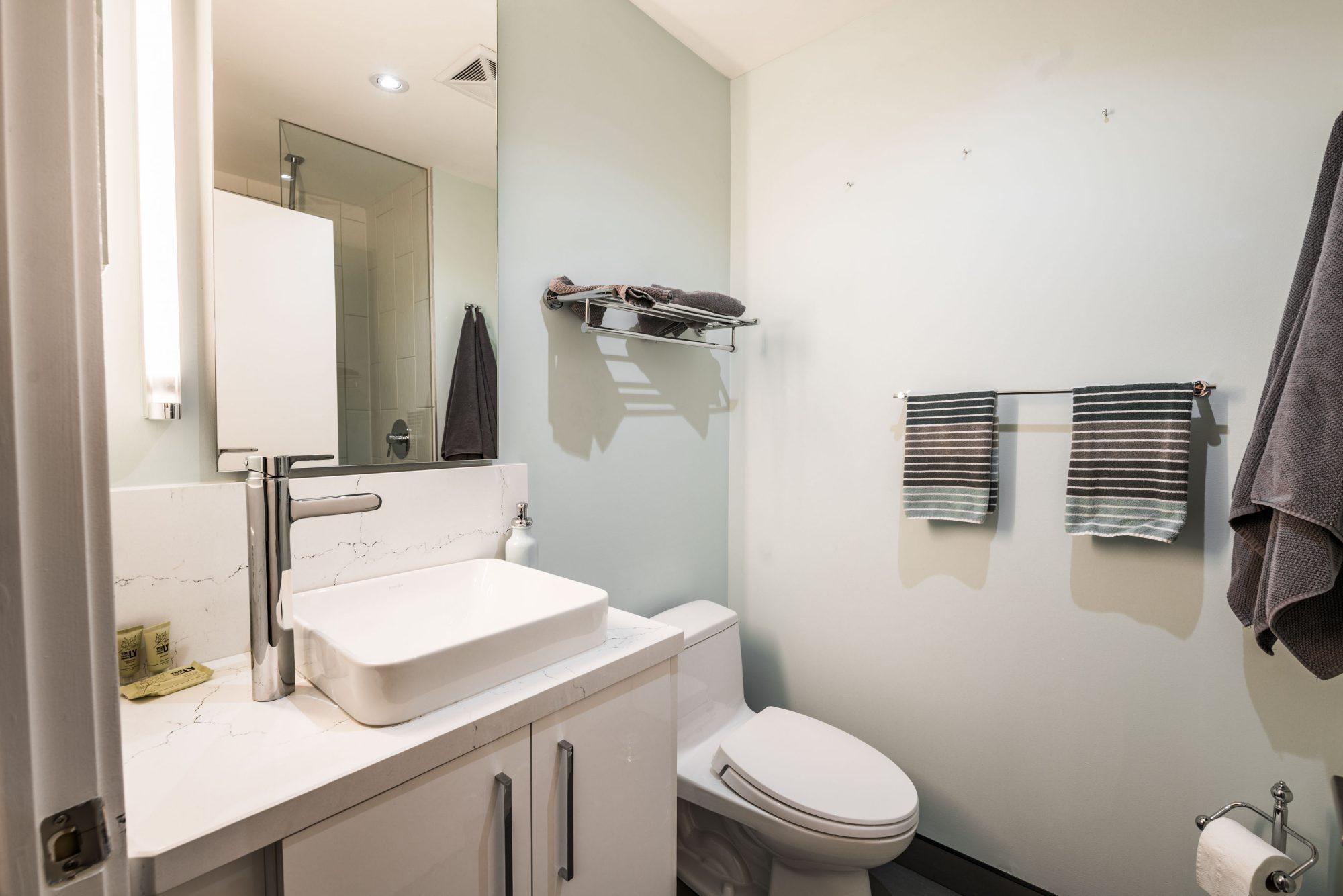 toronto-apartment-for-rent-25-oxley-street-7