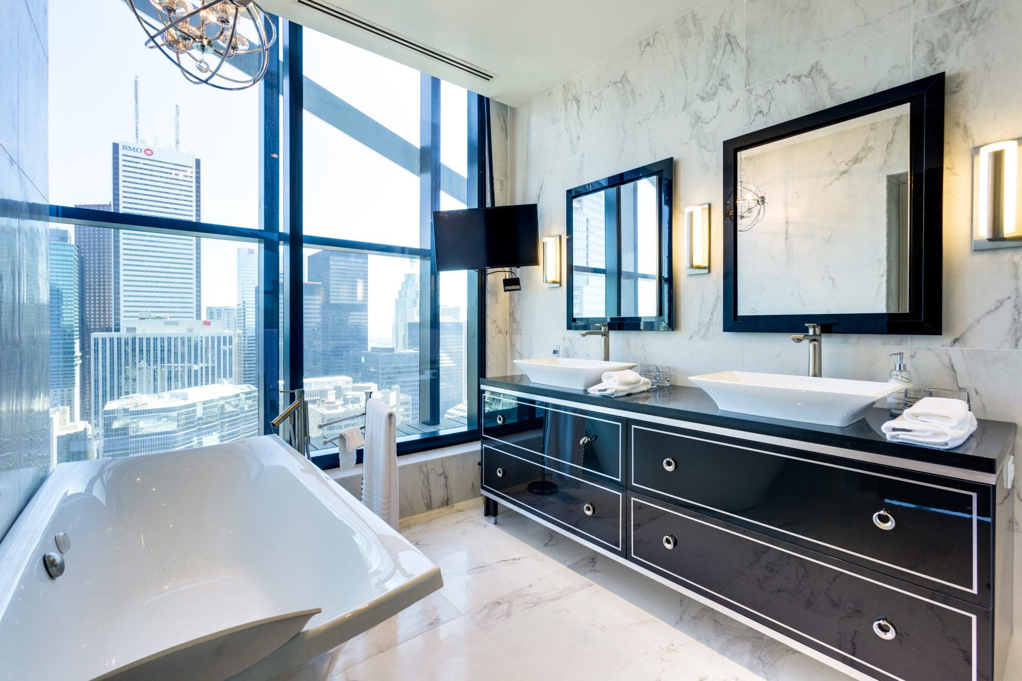 toronto-condo-for-sale-224-king-street-west-11