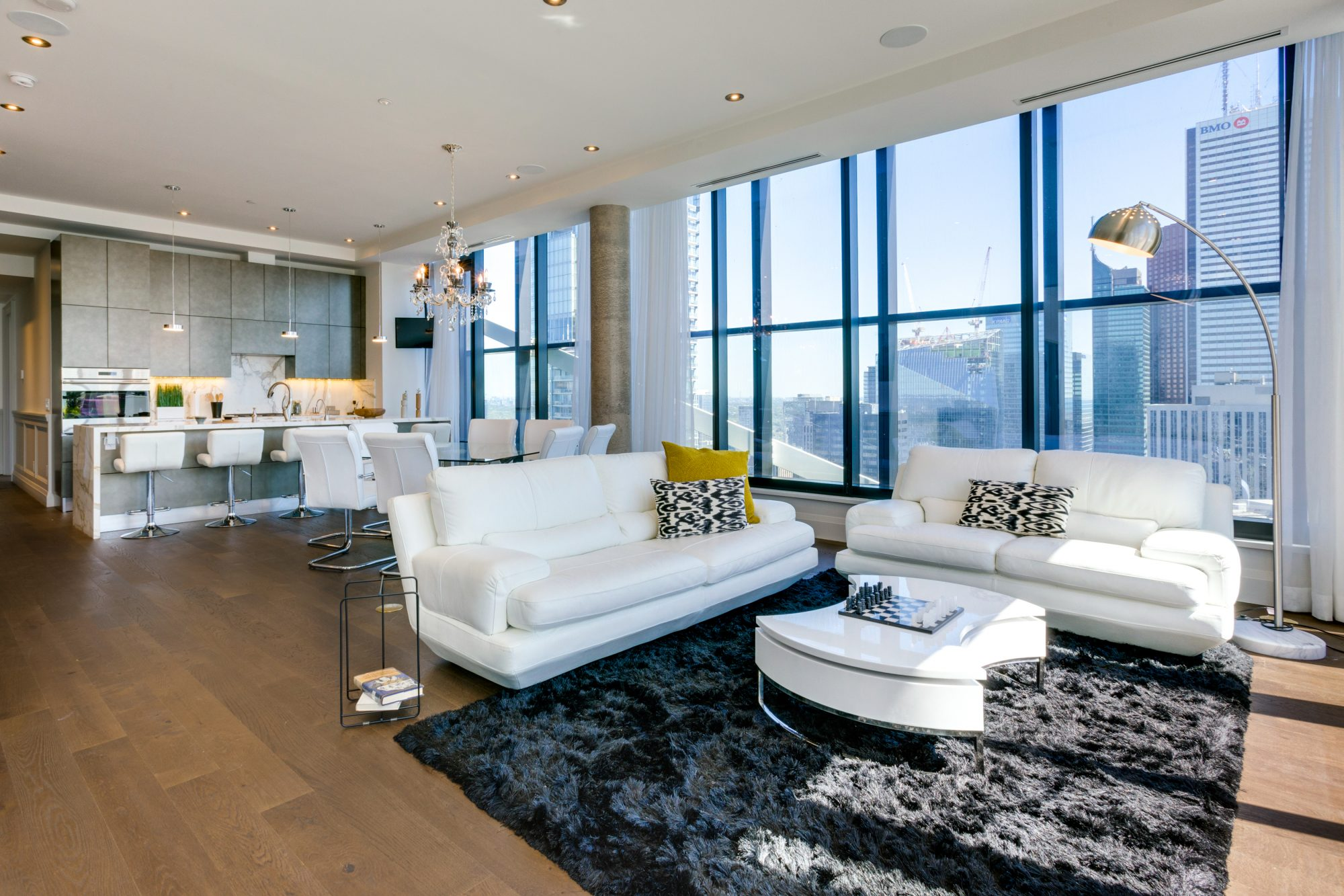 toronto-condo-for-sale-224-king-street-west-3