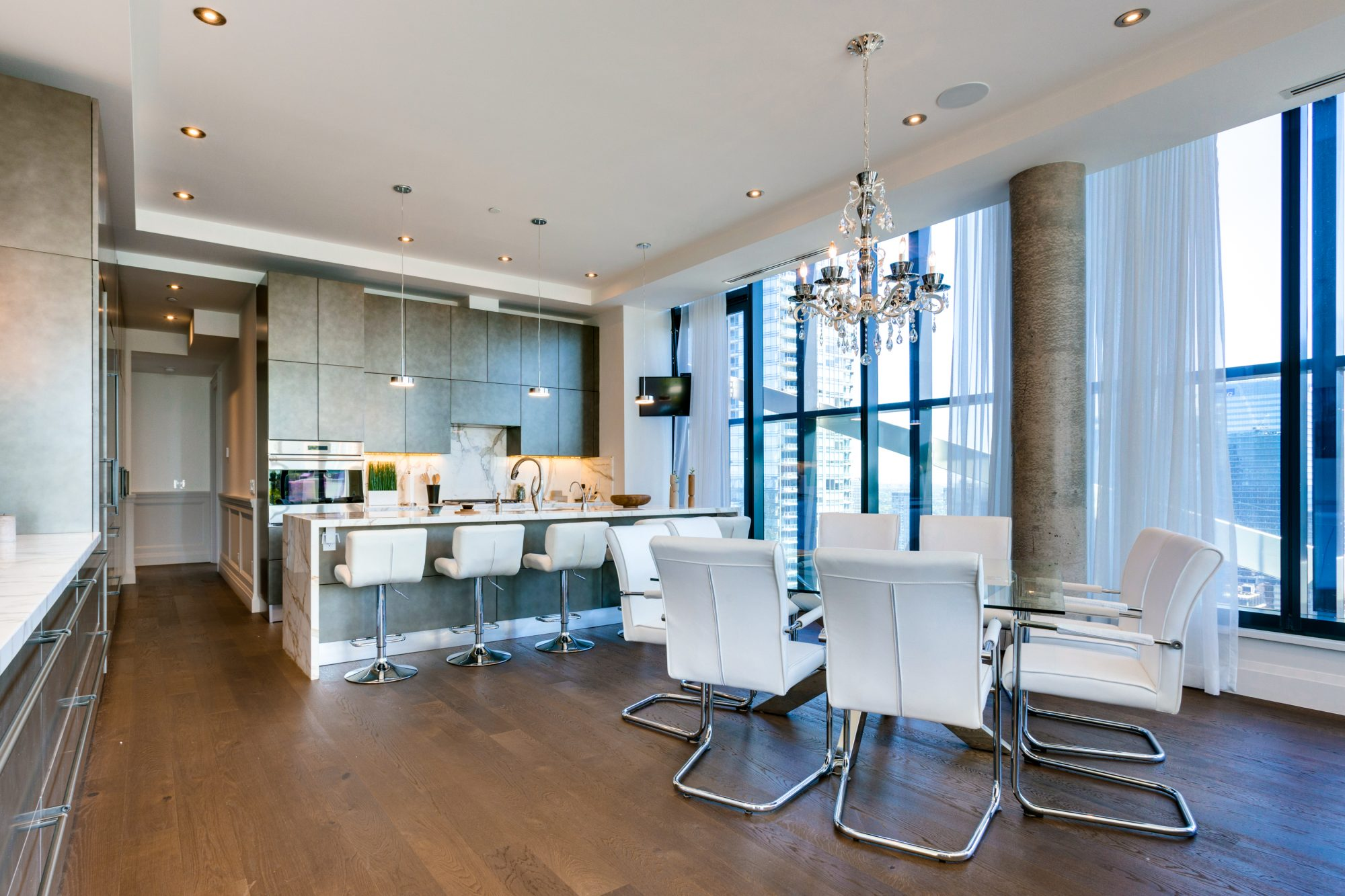 toronto-condo-for-sale-224-king-street-west-4