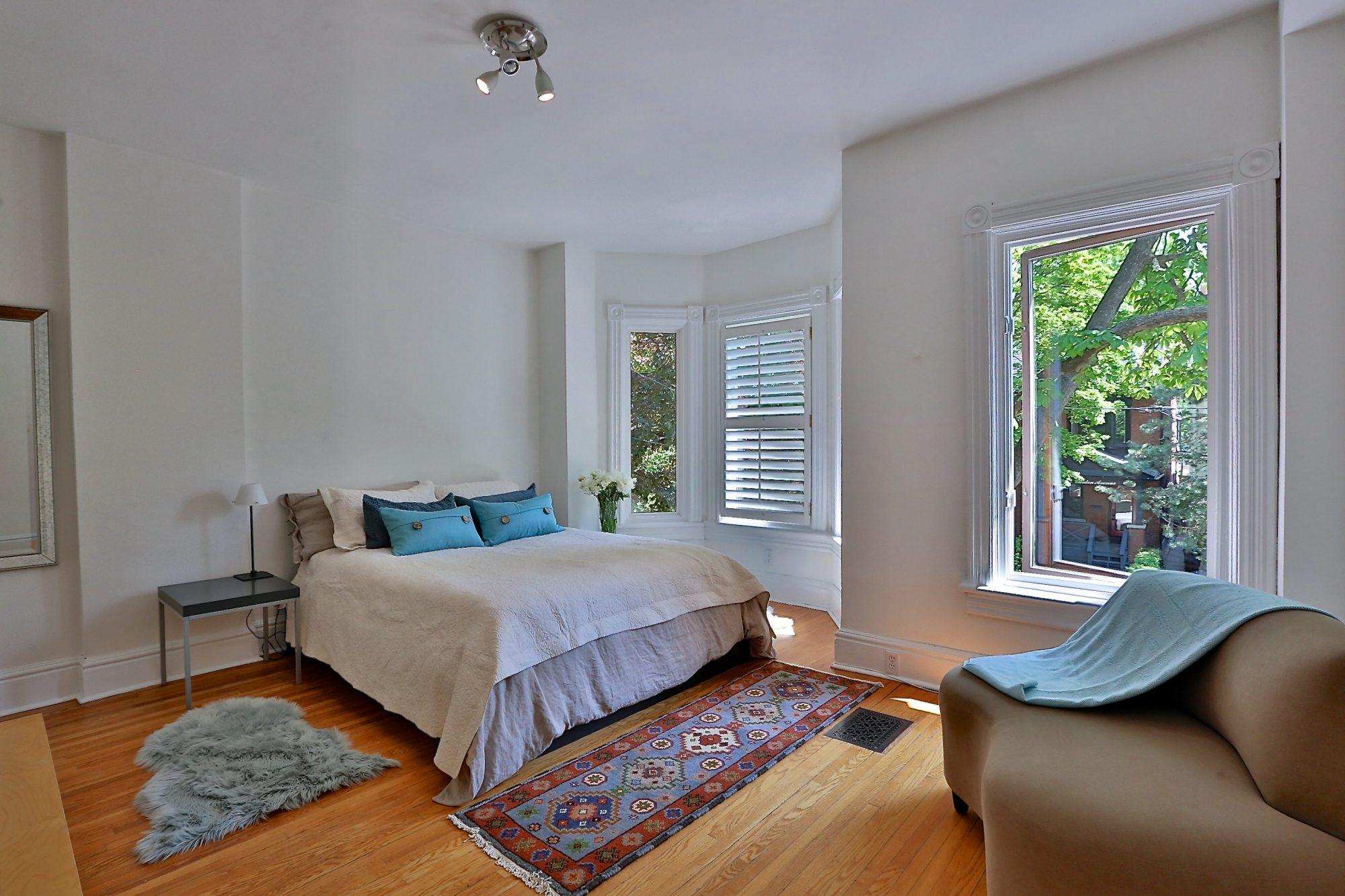 toronto-house-sold-14-garden-avenue-7