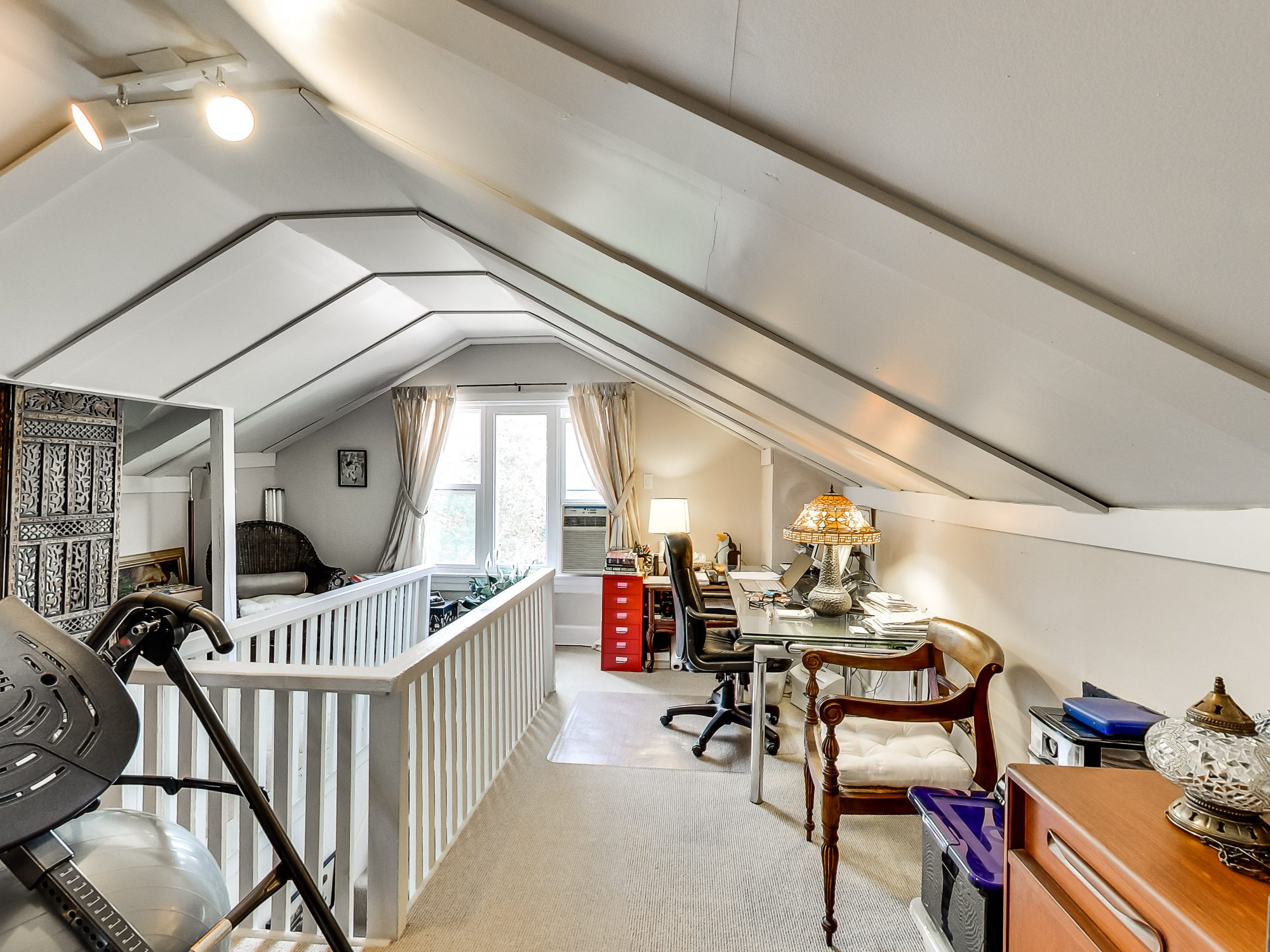 toronto-rental-of-the-week-205-seaton-street-11