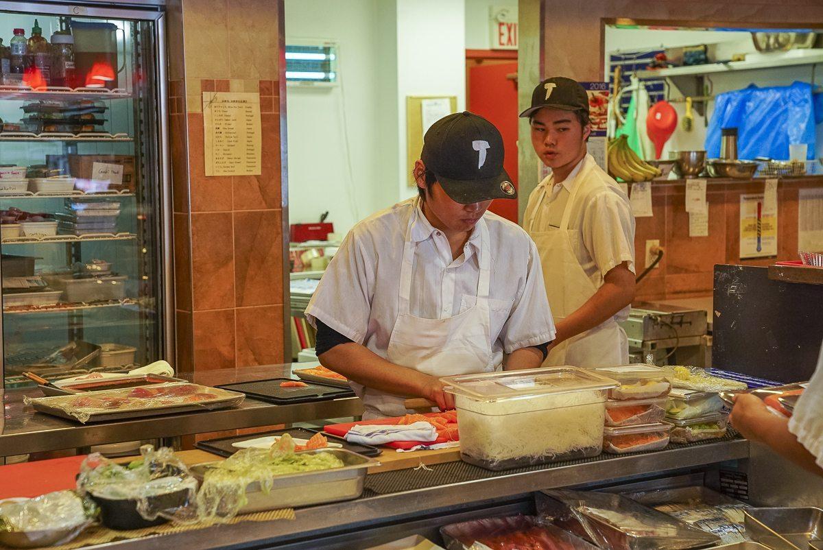 toronto-restaurants-chefs-in-the-burbs-claudio-aprile-taros-fish-counter