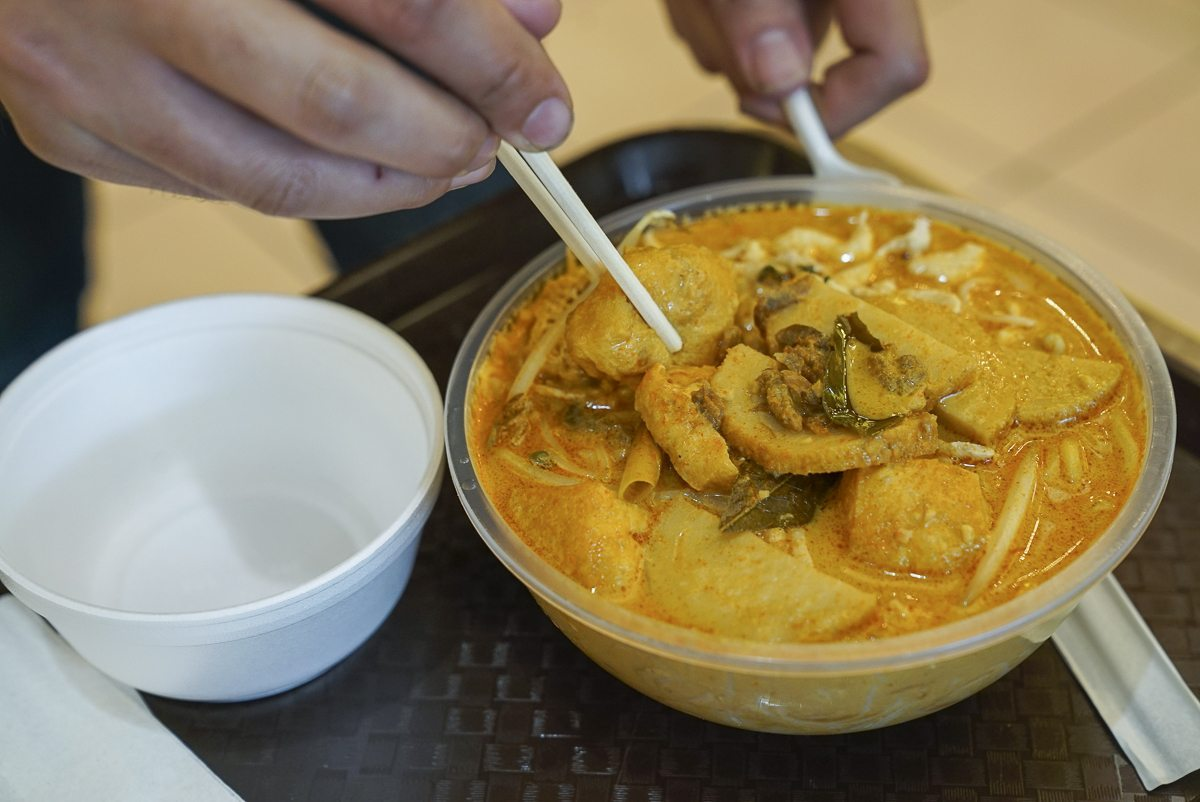 toronto-restaurants-chefs-in-the-burbs-erwin-joaquin-malay-thai-laksa-curry