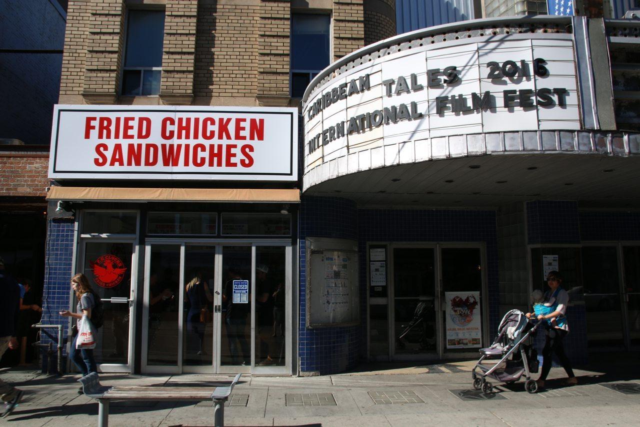 toronto-restaurants-pg-clucks-fried-chicken-little-italy-exterior