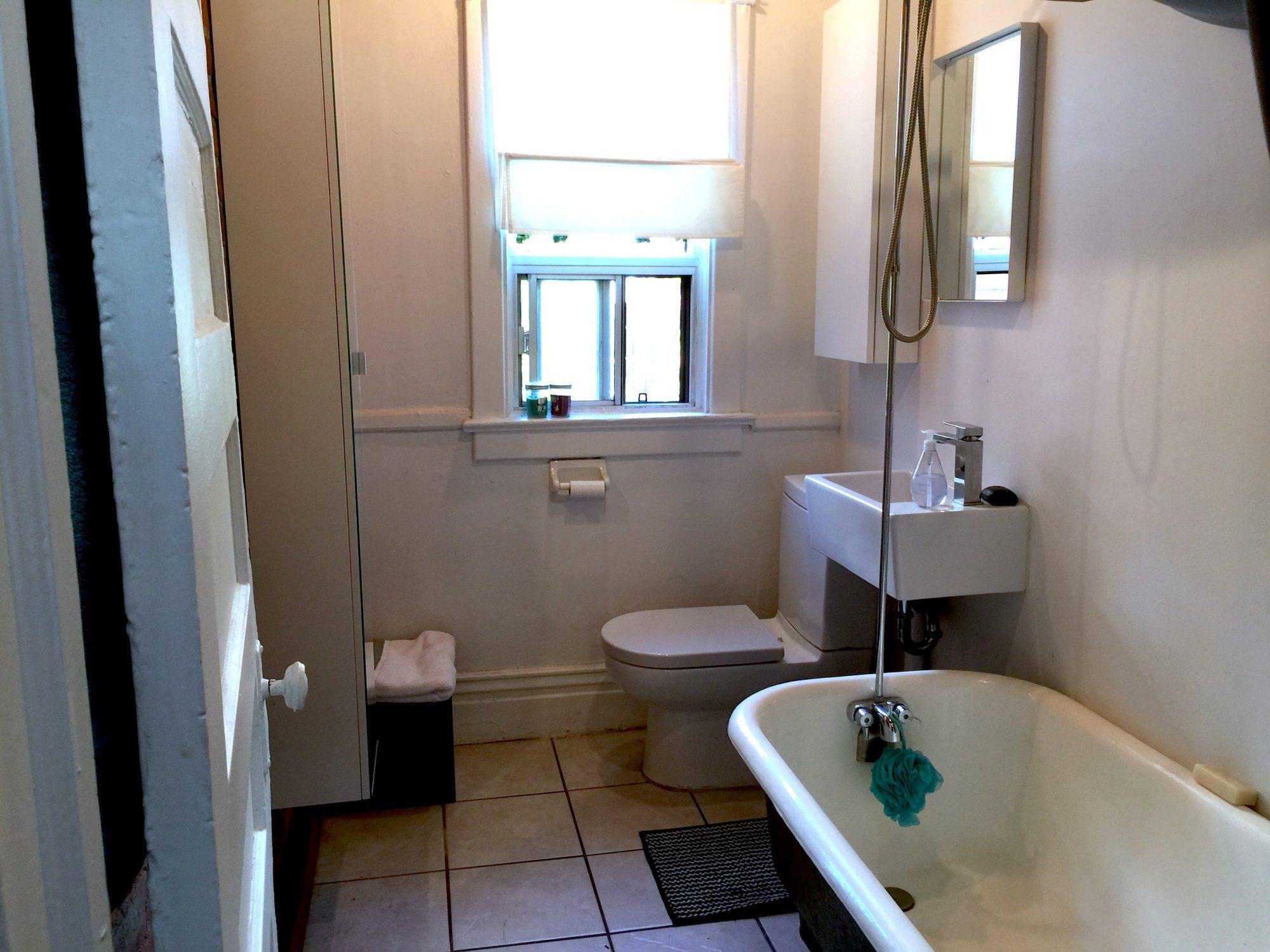 tornoto-apartment-for-rent-917-ossington-avenue-8