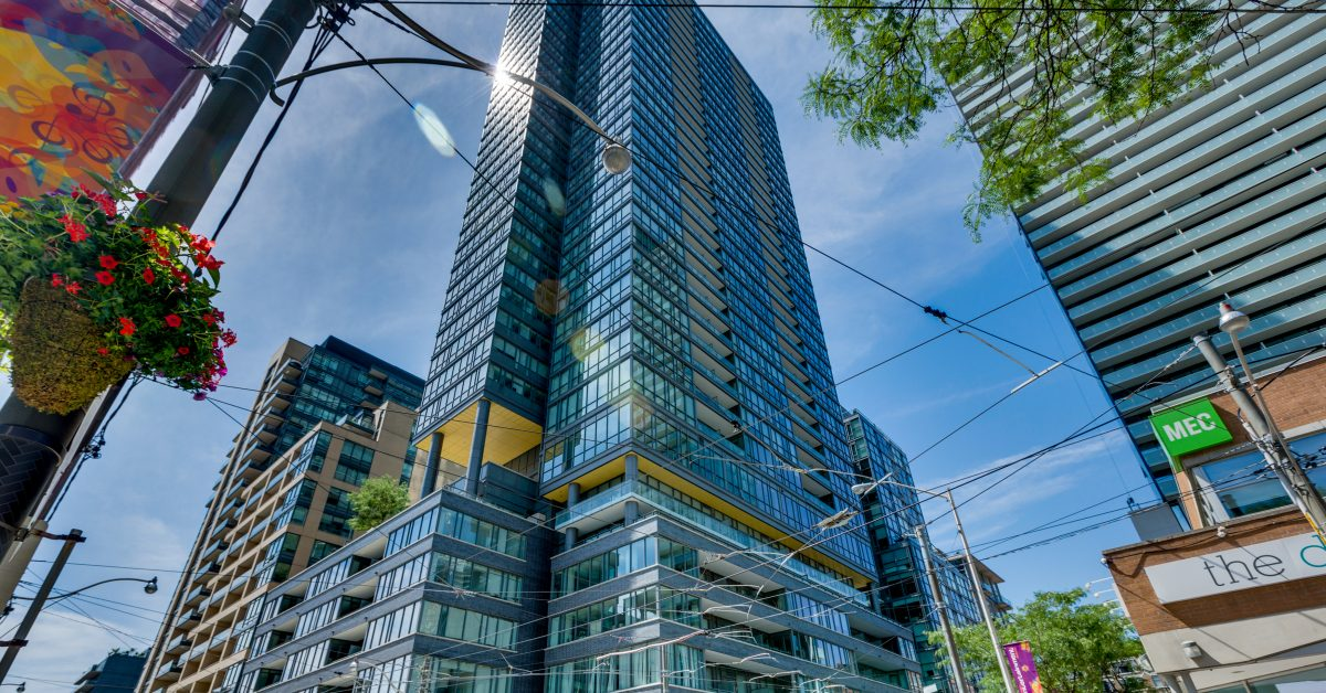 The 2 7 Million King West Penthouse That S Fit For A Socialite