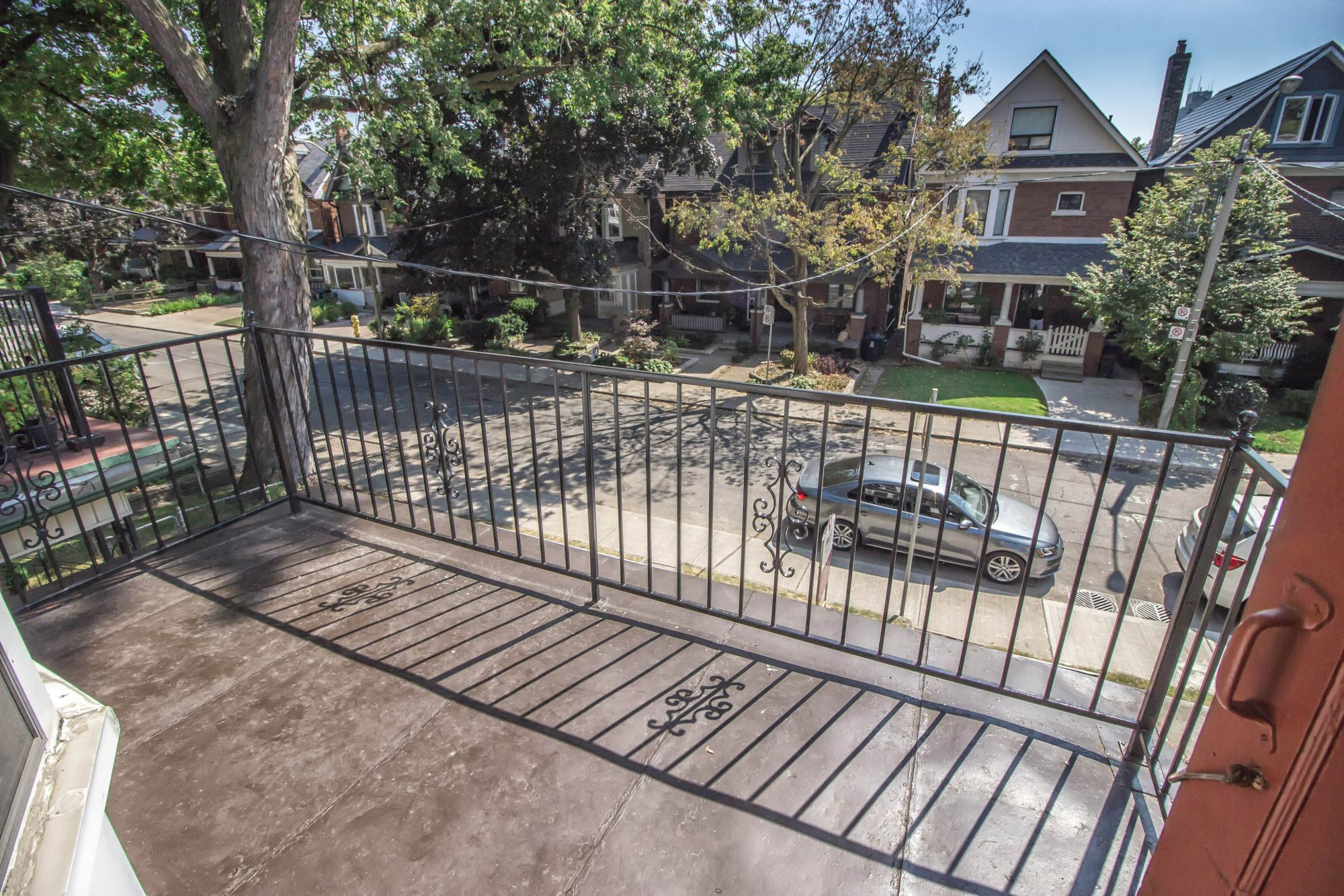 toronto-house-sold-164-langley-avenue-8