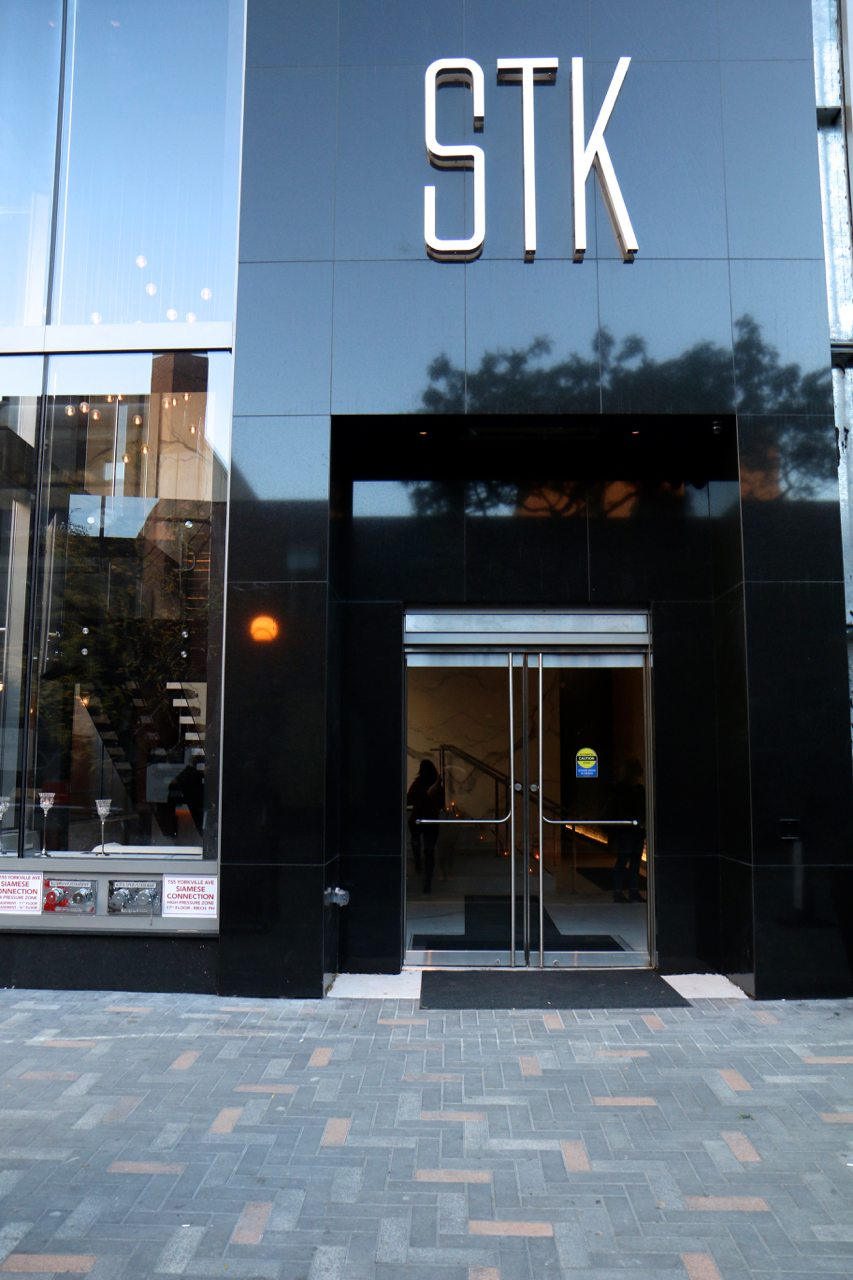 toronto-restaurants-stk-steakhouse-yorkville-exterior