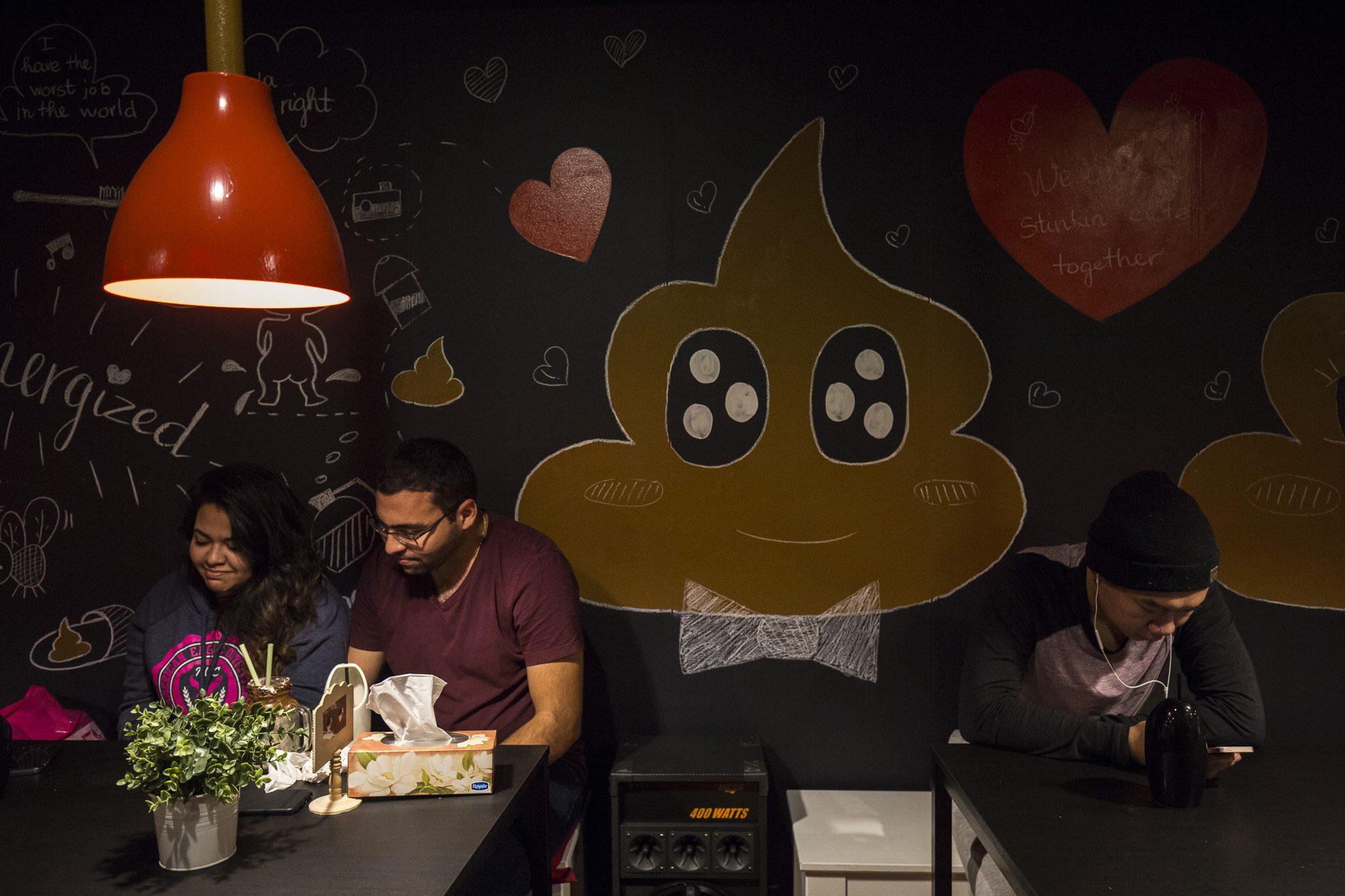 toronto-streeters-first-poop-cafe-annex-poop-emoji
