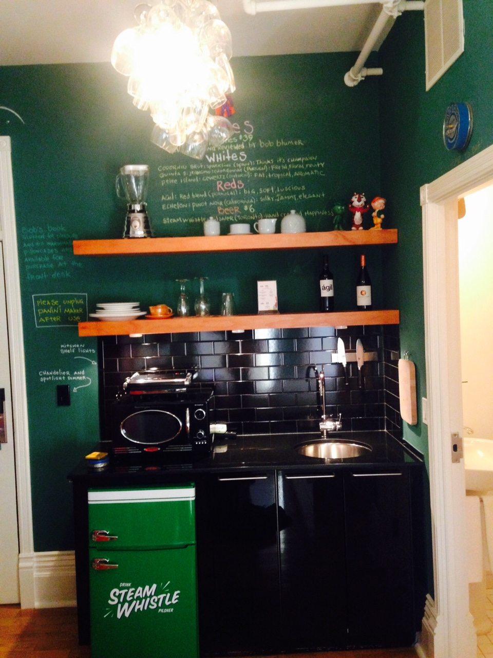 toronto-chefs-restaurants-consumed-bob-blumer-food-network-surreal-gourmet-gladstone-hotel-kitchenette