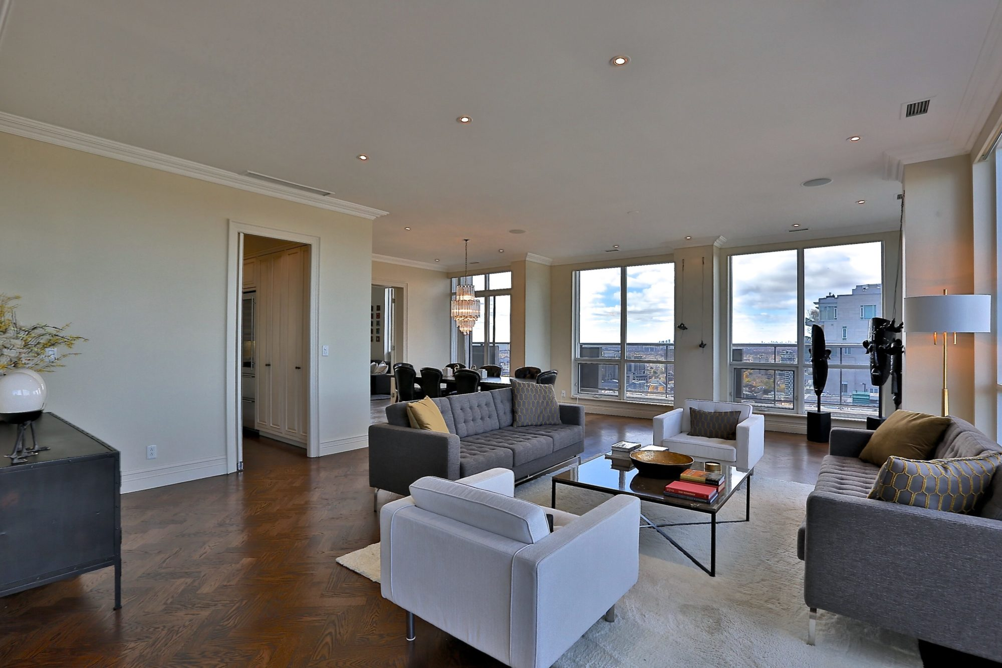 toronto-condo-for-rent-10-bellair-street-3