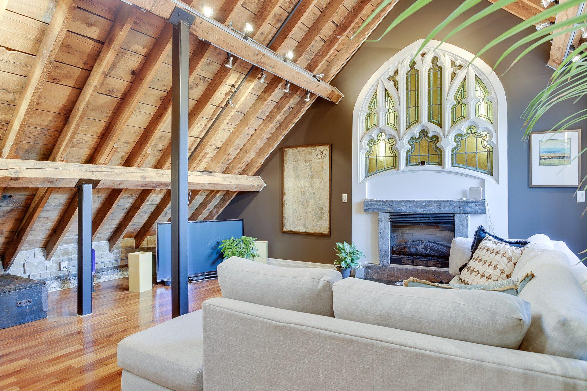 toronto-condo-for-rent-384-sunnyside-avenue-2
