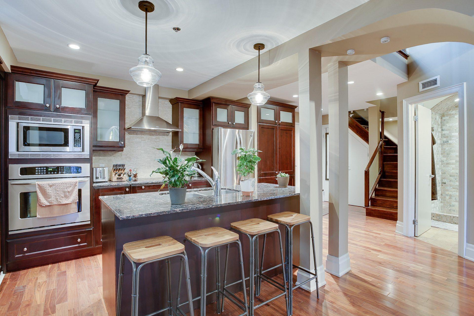 toronto-condo-for-rent-384-sunnyside-avenue-3