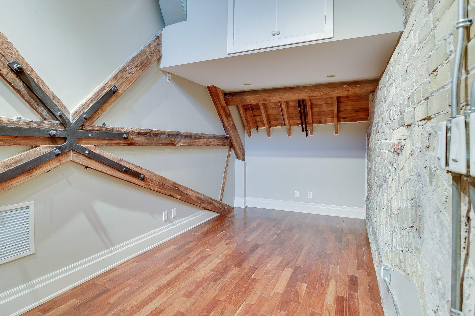 toronto-condo-for-rent-384-sunnyside-avenue-5