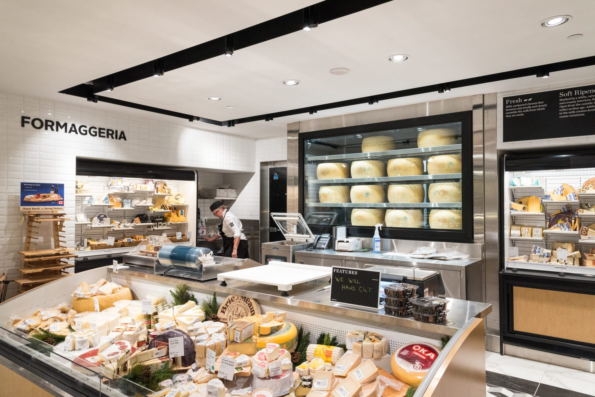 toronto-food-shops-pusateris-food-hall-saks-fifth-avenue-eaton-centre-cheese-fromaggeria