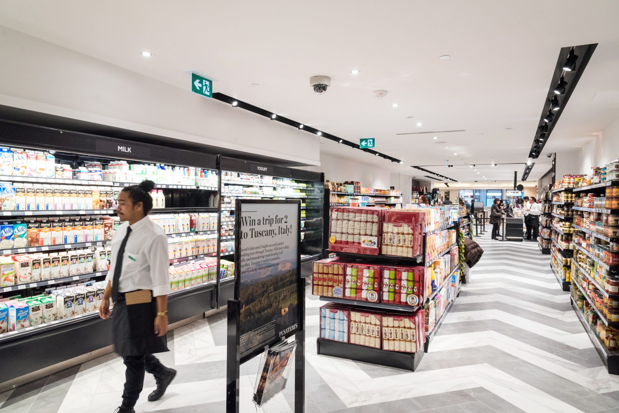 toronto-food-shops-pusateris-food-hall-saks-fifth-avenue-eaton-centre-dairy-grocery-section