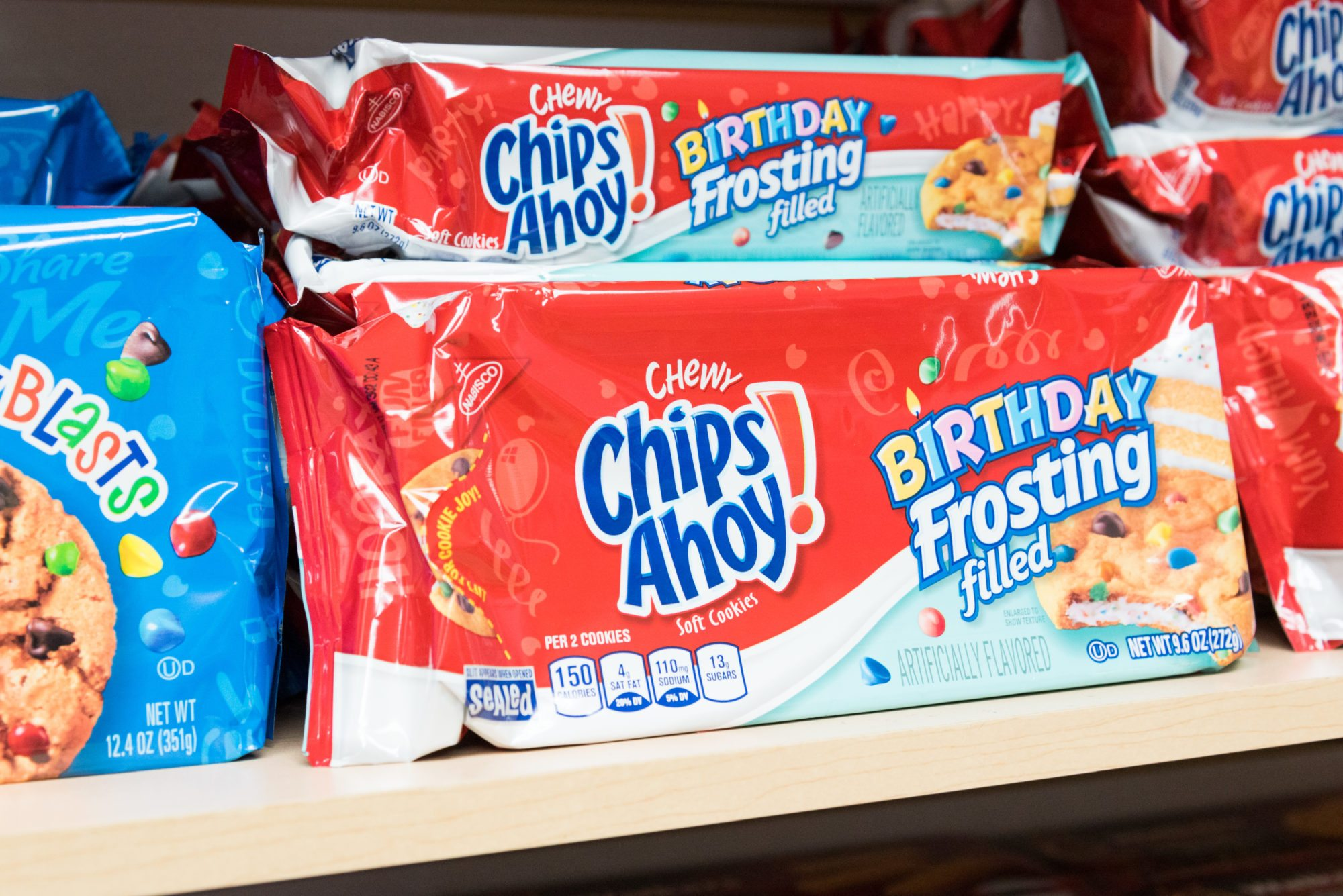 toronto-food-shops-ridiculist-sweet-addictions-candy-co-chips-ahoy-birthday-cake
