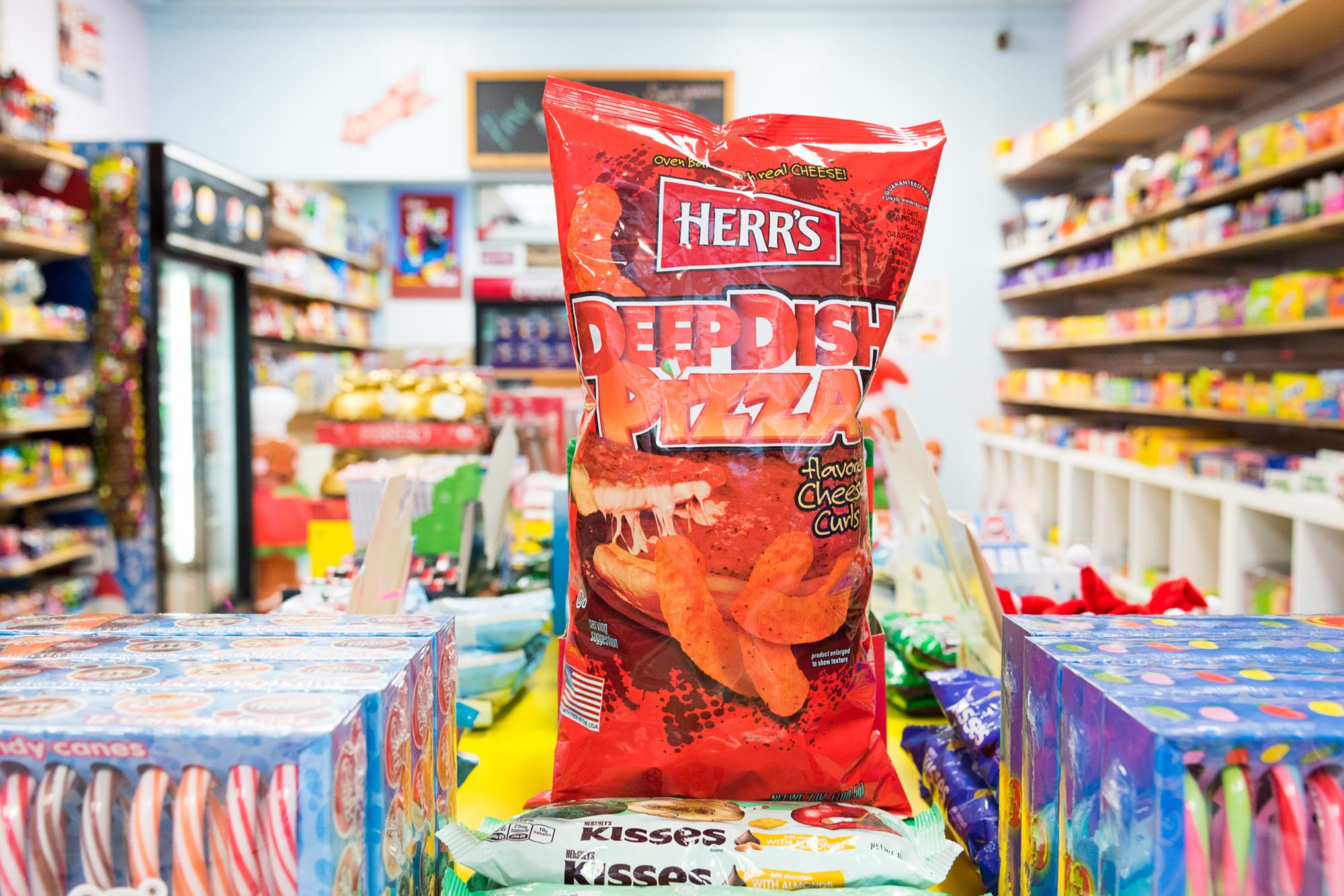 toronto-food-shops-ridiculist-sweet-addictions-candy-co-deep-dish-pizza-cheesies