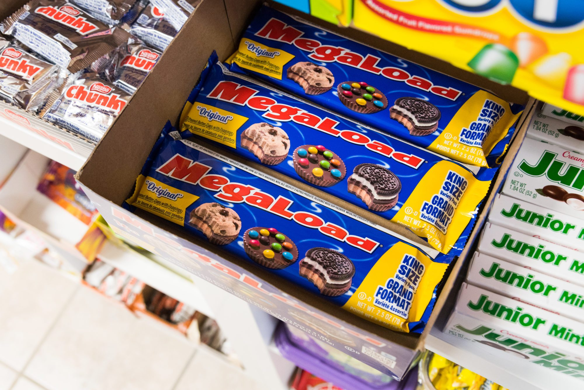 toronto-food-shops-ridiculist-sweet-addictions-candy-co-megaload-cookie