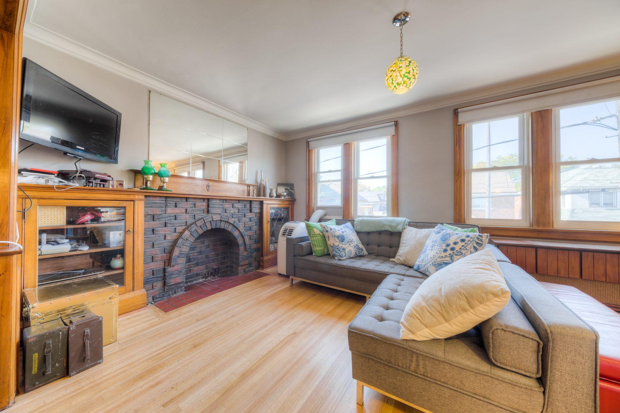 toronto-house-sold-419-jane-street-2
