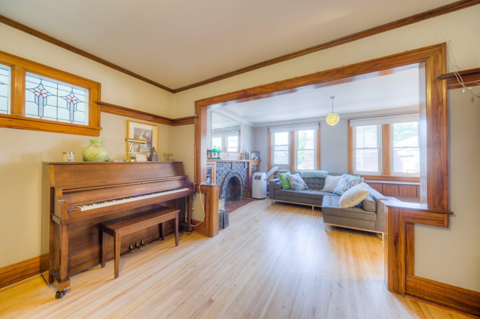 toronto-house-sold-419-jane-street-3