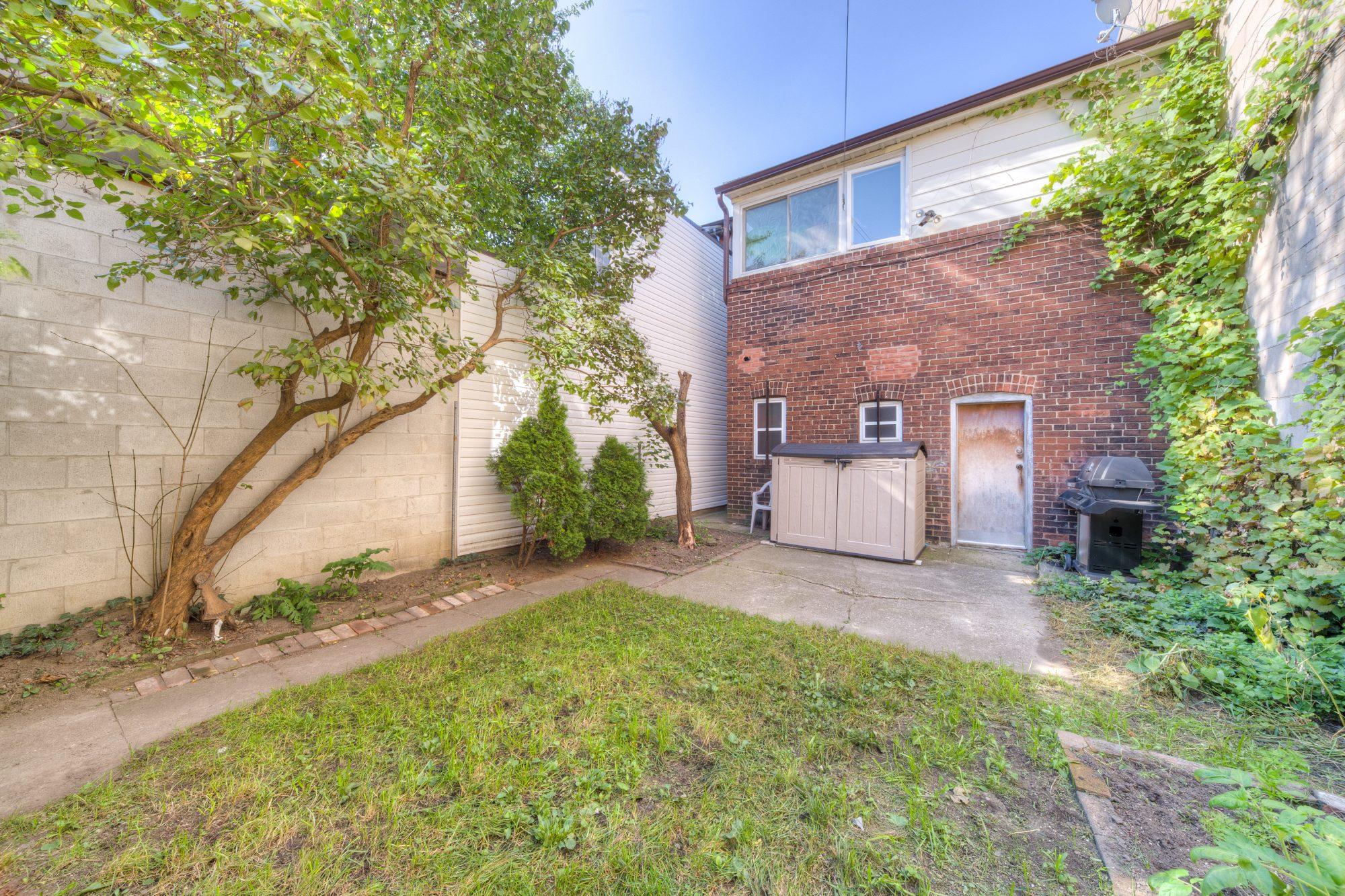 toronto-house-sold-419-jane-street-8