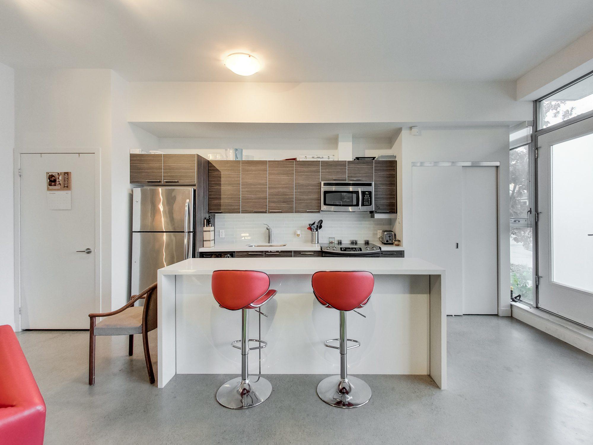 toronto-real-estate-condo-of-the-week-52-sumach-street-kitchen