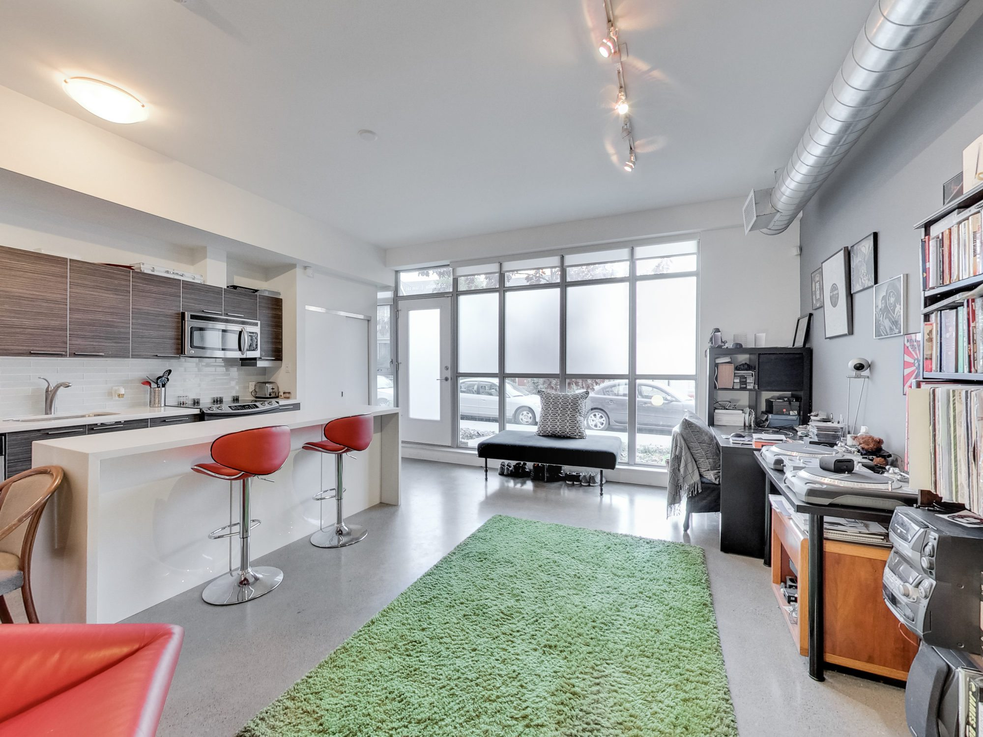 toronto-real-estate-condo-of-the-week-52-sumach-street-living-room-1
