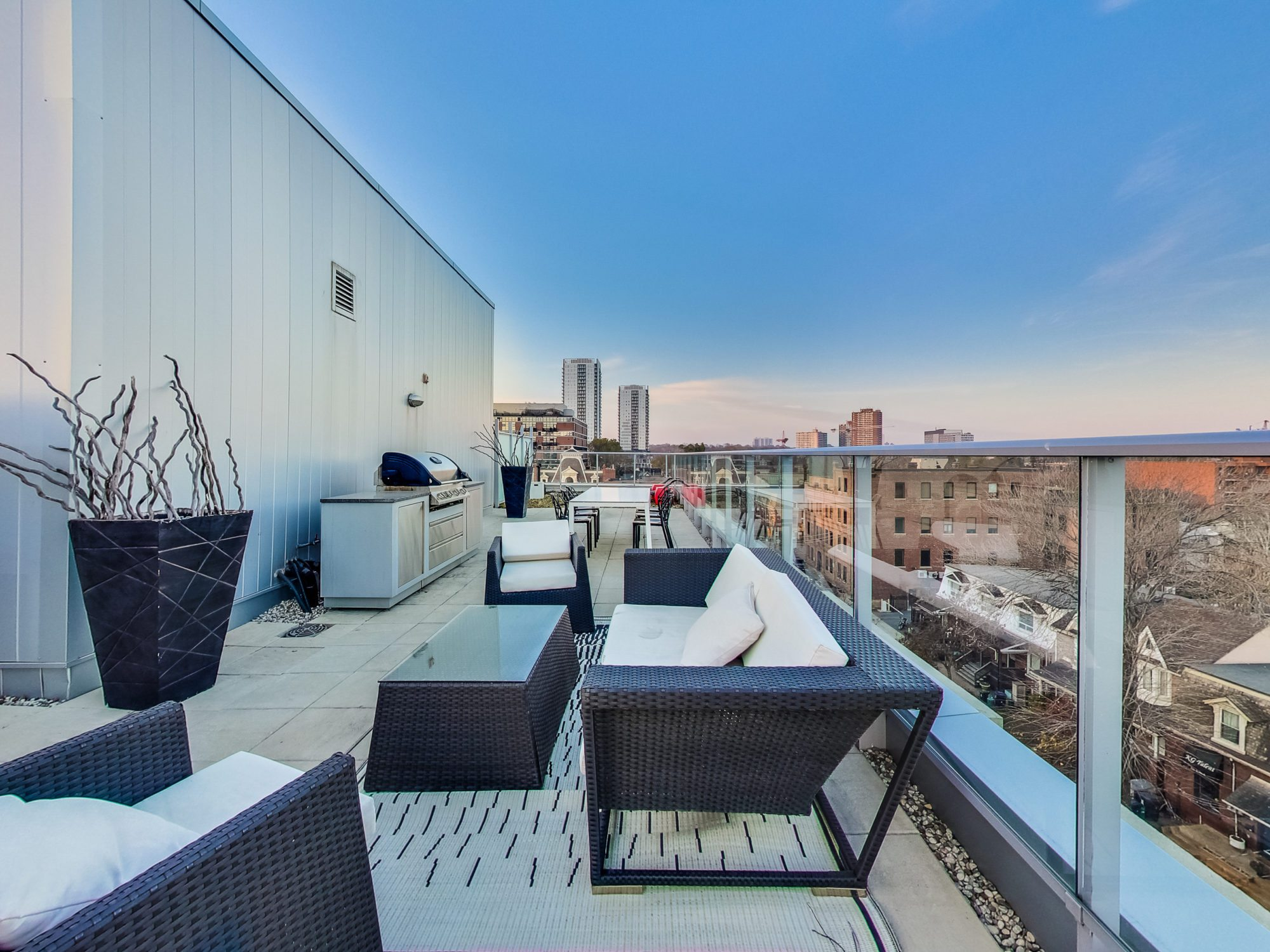 toronto-real-estate-condo-of-the-week-52-sumach-street-rooftop-1