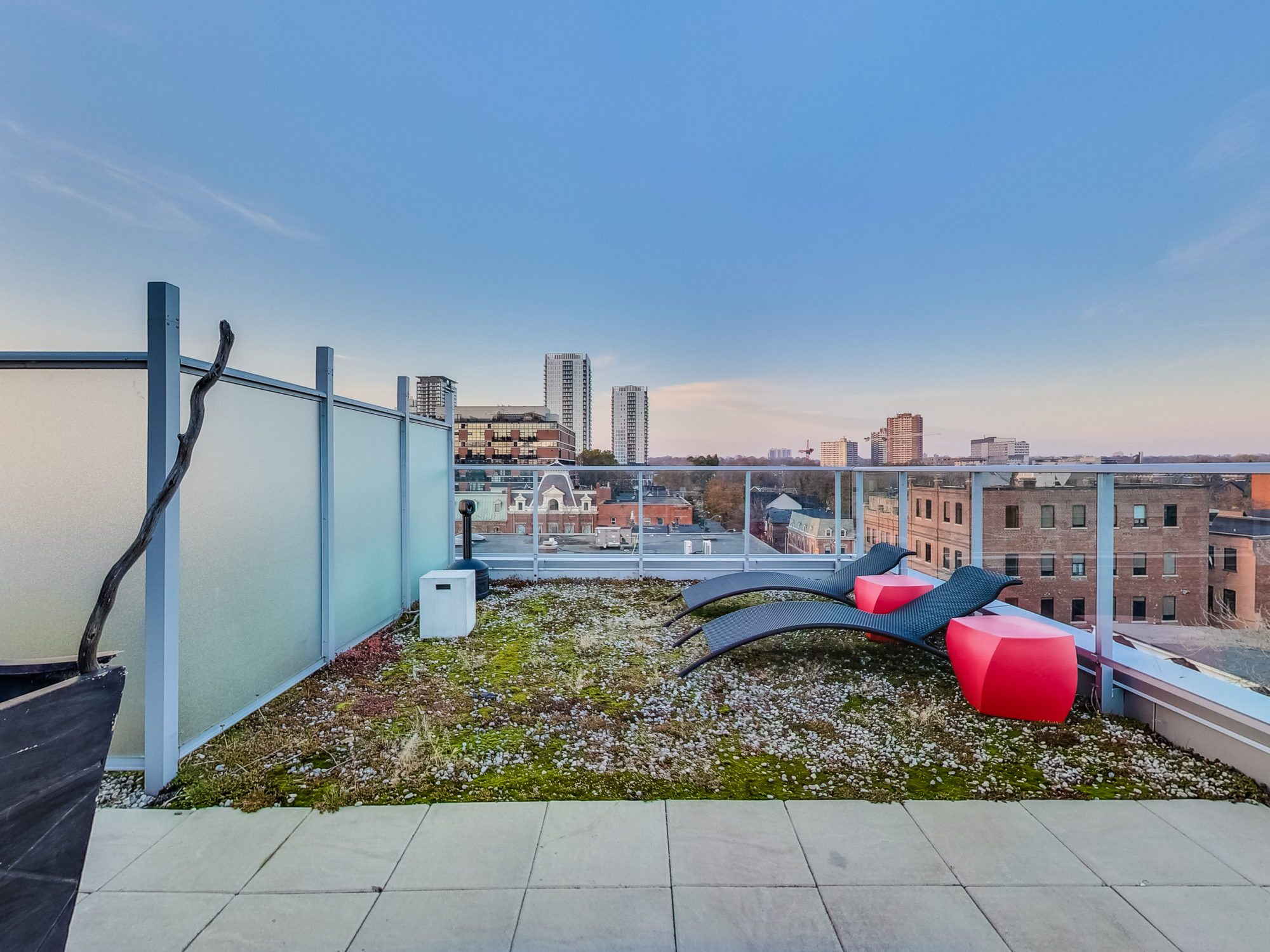 toronto-real-estate-condo-of-the-week-52-sumach-street-rooftop-3