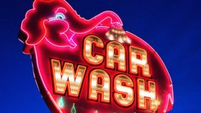 This Toronto photographer takes beautiful, buzzing shots of North America's neon signs