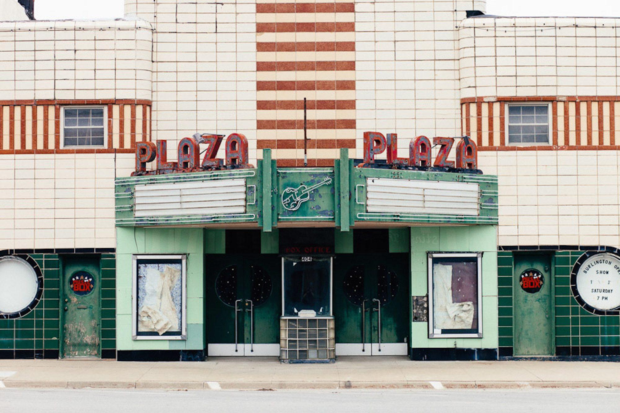 PlazaTheatre_Burlington_KS