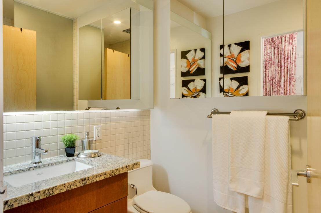 toronto-condo-for-rent-1-shaw-street-6
